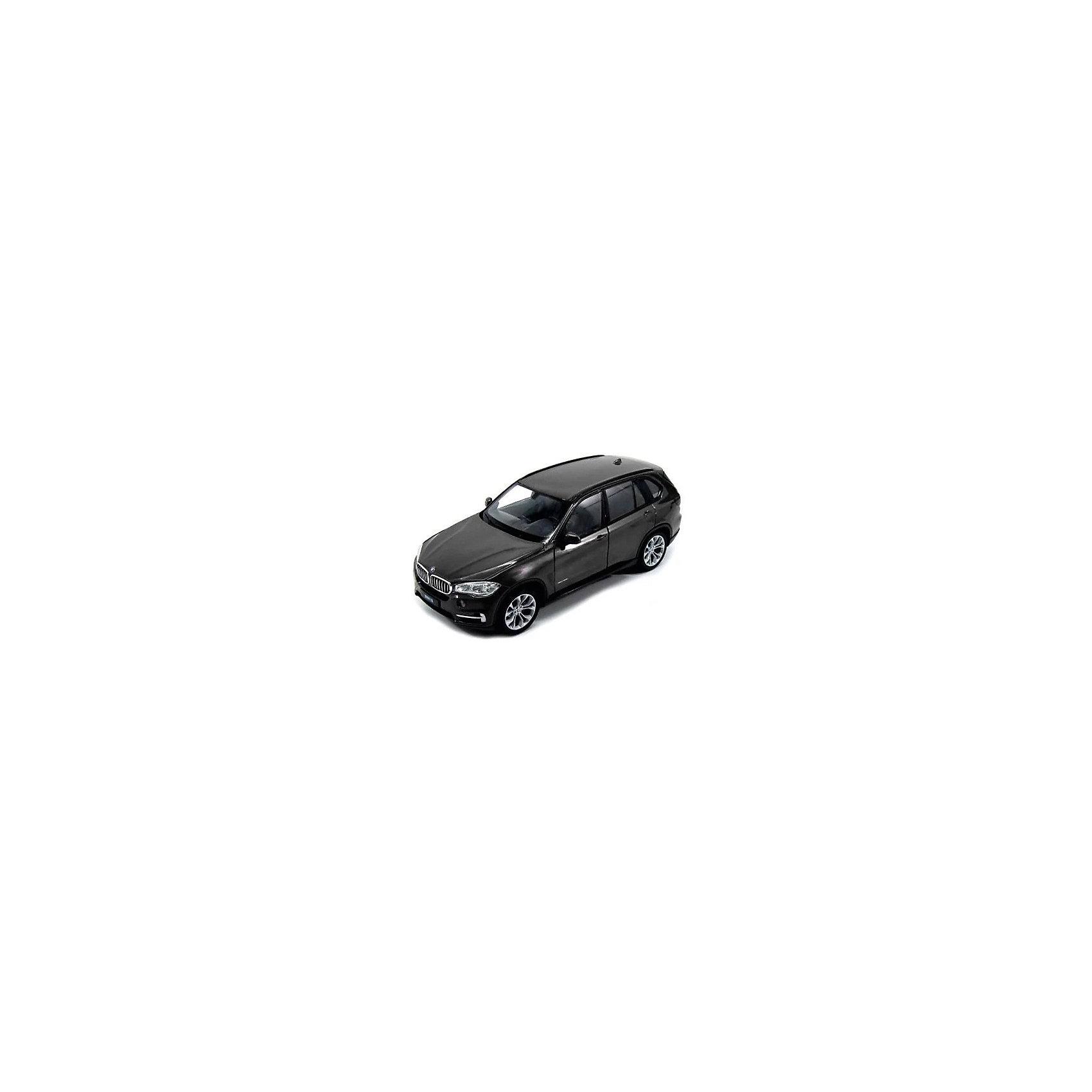 Модель машины 1:32 BMW X5, WellyКоллекционные модели<br>Коллекционная модель машины BMW X5 от Welly выполнена в точном соответствии с оригиналом. У машинки открывается капот и двери.<br>Эта модель машины создана на основе реальной модели БМВ X5, выпуск которой начался в 2013 году. Это вместительный, среднеразмерный кроссовер, способный преодолеть самые разные препятствия на дороге. Модель Welly выполнена в белом цвете, салон детализирован. Масштаб - 1:32.<br><br>Ширина мм: 80<br>Глубина мм: 80<br>Высота мм: 180<br>Вес г: 292<br>Возраст от месяцев: 36<br>Возраст до месяцев: 192<br>Пол: Мужской<br>Возраст: Детский<br>SKU: 4966502