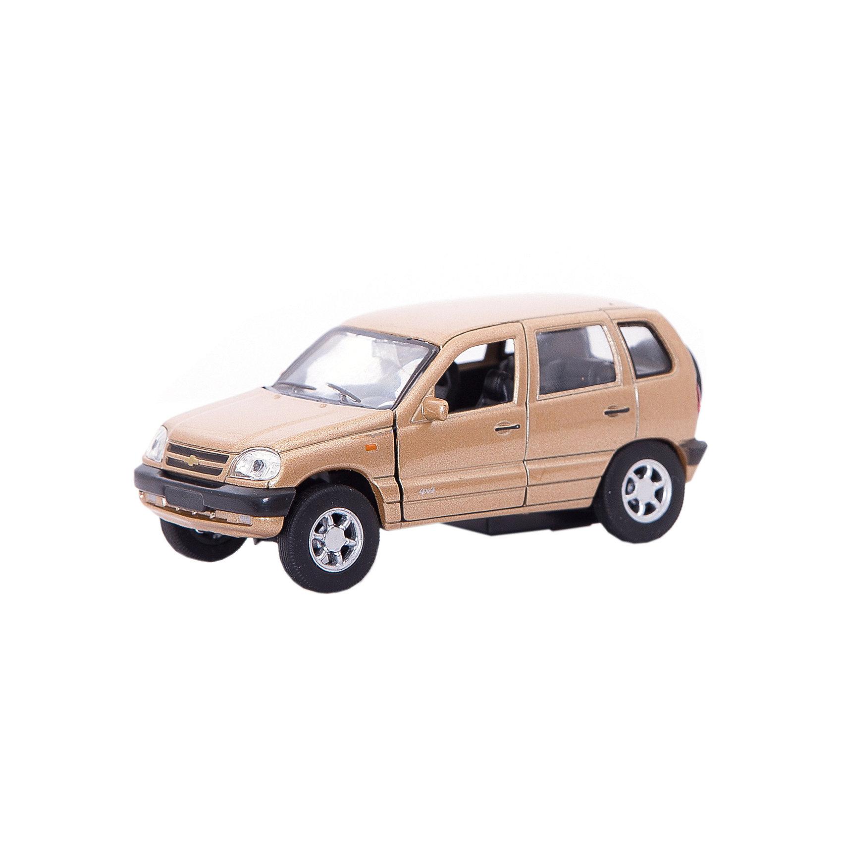 Модель машины 1:34-39 Chevrolet Niva, WellyКоллекционные модели<br>Коллекционная модель машины  масштаба 1:34-39 Chevrolet Niva. Функции: открываются передние двери, инерционный механизм.<br>Цвет кузова автомобиля представлен в ассортименте. Выбрать определенный цвет заранее не представляется возможным.<br><br>Ширина мм: 60<br>Глубина мм: 110<br>Высота мм: 150<br>Вес г: 165<br>Возраст от месяцев: 36<br>Возраст до месяцев: 192<br>Пол: Мужской<br>Возраст: Детский<br>SKU: 4966507