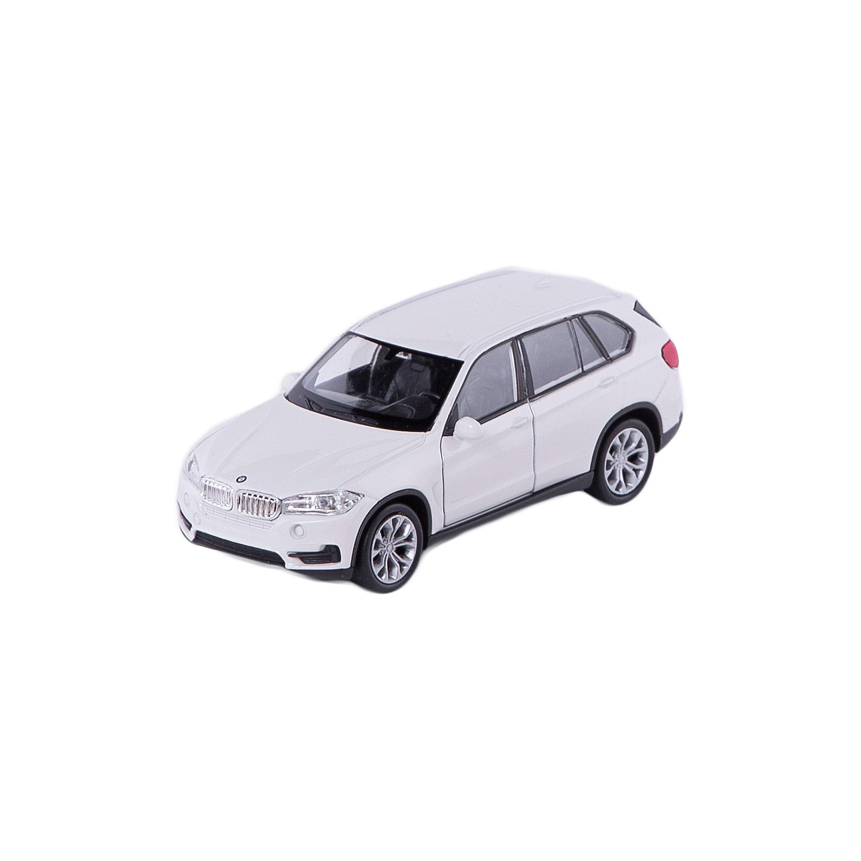 Модель машины 1:34-39 BMW X5, WellyКоллекционные модели<br>Коллекционная модель машины BMW X5 от Welly выполнена в точном соответствии с оригиналом. У машинки открывается капот и двери.<br>Эта модель машины создана на основе реальной модели БМВ X5, выпуск которой начался в 2013 году. Это вместительный, среднеразмерный кроссовер, способный преодолеть самые разные препятствия на дороге. Модель Welly выполнена в белом цвете, салон детализирован. Масштаб - 1:34-39.  Цвет кузова автомобиля представлен в ассортименте. Выбрать определенный цвет заранее не представляется возможным.<br><br>Ширина мм: 60<br>Глубина мм: 110<br>Высота мм: 150<br>Вес г: 163<br>Возраст от месяцев: 36<br>Возраст до месяцев: 192<br>Пол: Мужской<br>Возраст: Детский<br>SKU: 4966546