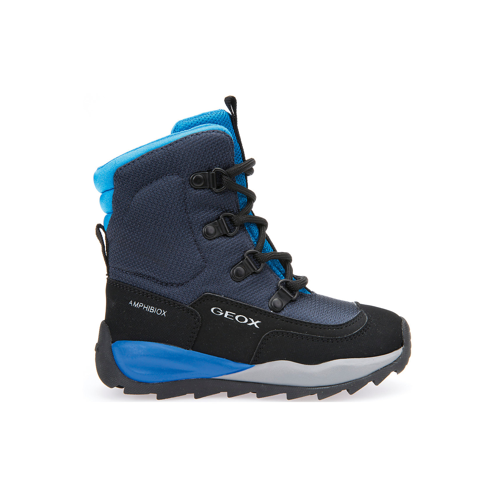 Полусапоги  GEOXПолусапоги GEOX (ГЕОКС)<br>Полусапоги от GEOX (ГЕОКС), выполненные из искусственного нубука и прочного текстиля, идеально подходят для холодной погоды. Плотная мягкая подкладка из искусственного меха согревает чувствительные детские ноги. Текстильная стелька улучшает тепловое сопротивление в холодных условиях, повышая температуру внутри обуви. Влага не застаивается в обуви, благодаря чему создается идеальный микроклимат, который держит ноги теплыми и сухими, и позволяет им дышать естественно. Колодка соответствует анатомическим особенностям строения детской стопы. Качественная амортизация снижает нагрузку на суставы. Запатентованная гибкая перфорированная подошва со специальной микропористой мембраной обеспечивает естественное дыхание обуви, не пропускает воду, не скользит. Модель имеет усиленный мыс и функциональную шнуровку.<br><br>Дополнительная информация:<br><br>- Сезон: зима<br>- Цвет: черный, серый, голубой<br>- Материал верха: искусственный нубук, текстиль<br>- Внутренний материал: искусственный мех<br>- Материал стельки: текстиль<br>- Материал подошвы: резина<br>- Тип застежки: шнуровка<br>- Высота голенища/задника: 11 см.<br>- Технология Amphibiox<br>- Материалы и продукция прошли специальную проверку T?V S?D, на отсутствие веществ, опасных для здоровья покупателей<br><br>Полусапоги GEOX (ГЕОКС) можно купить в нашем интернет-магазине.<br><br>Ширина мм: 257<br>Глубина мм: 180<br>Высота мм: 130<br>Вес г: 420<br>Цвет: разноцветный<br>Возраст от месяцев: 72<br>Возраст до месяцев: 84<br>Пол: Мужской<br>Возраст: Детский<br>Размер: 30,31,32,33,34,27,28,29<br>SKU: 4968287