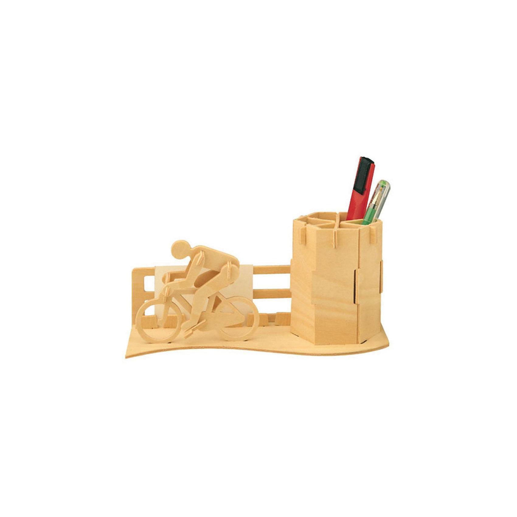 Велосипедист (серия С), Мир деревянных игрушекПорадовать творческого ребенка или любителя спорта - легко! Закажите для него этот набор, из которого можно самому сделать красивую деревянную фигуру! Для этого нужно выдавить из пластины с деталями элементы для сборки и соединить их. Из наборов получаются красивые очень реалистичные игрушки, которые могут стать украшением комнаты.<br>Собирая их, ребенок будет развивать пространственное мышление, память и мелкую моторику. А раскрашивая готовое произведение, дети научатся подбирать цвета и будут развивать художественные навыки. Этот набор произведен из качественных и безопасных для детей материалов - дерево тщательно обработано.<br><br>Дополнительная информация:<br><br>материал: дерево;<br>цвет: бежевый;<br>элементы: пластины с деталями для сборки, схема сборки;<br>размер упаковки: 23 х 18 см.<br><br>3D-пазл Велосипедист (серия С) от бренда Мир деревянных игрушек можно купить в нашем магазине.<br><br>Ширина мм: 225<br>Глубина мм: 30<br>Высота мм: 180<br>Вес г: 450<br>Возраст от месяцев: 36<br>Возраст до месяцев: 144<br>Пол: Мужской<br>Возраст: Детский<br>SKU: 4969244
