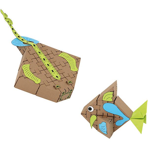 Конструктор Морские рыбки , YohocubeКартонные конструкторы<br>Дети, которые любят творчество, обязательно оценят этот конструктор! В него включены заготовки для создания морских рыбок и стикеры для их украшения. Картонные фигурки можно раскрасить самому - такая игра никогда не надоест!<br>Фигурки собираются без помощи клея. В набор входят 26 деталей. В этих фигурках малыши потом могут хранить свои ценные мелочи! Игры с таким комплектом помогут ребенку развивать воображение, мелкую моторику и творческое мышление! Игрушка сделана из высококачественных и безопасных для детей материалов.<br><br>Дополнительная информация:<br><br>материал: картон;<br>комплектация: 26 деталей, стикеры;<br>размер кубика: 8 см.<br><br>Конструктор Морские рыбки от бренда Yohocube можно купить в нашем магазине.<br>Ширина мм: 460; Глубина мм: 360; Высота мм: 20; Вес г: 500; Возраст от месяцев: 72; Возраст до месяцев: 144; Пол: Унисекс; Возраст: Детский; SKU: 4970193;