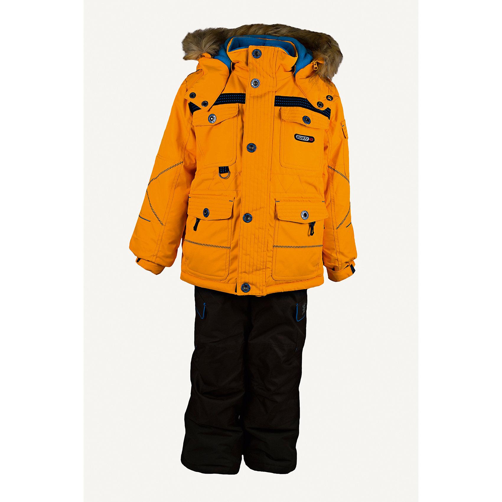 Комплект: куртка и полукомбинезон GUSTIВерхняя одежда<br>Комплект: куртка и полукомбинезон GUSTI (ГУСТИ) – это идеальный вариант для суровой зимы с сильными морозами.<br><br>Температурный режим: до -30  градусов. Степень утепления – высокая. <br><br>* Температурный режим указан приблизительно — необходимо, прежде всего, ориентироваться на ощущения ребенка. Температурный режим работает в случае соблюдения правила многослойности – использования флисовой поддевы и термобелья.<br><br>Комплект от GUSTI состоит из куртки и полукомбинезона прямого кроя, выполненных из плотного непромокаемого материала с защитной от влаги мембраной 5000 мм. Тань хорошо сохраняет тепло, отталкивает влагу и позволяет коже ребенка дышать. Утеплитель из тек-полифилла и флисовая внутренняя отделка на груди и на спинке дают возможность использовать комплект при очень низких температурах. Куртка застегивается на молнию с ветрозащитной планкой, имеет четыре накладных кармана с клапанами, два внутренних кармана на молнии, снегозащитную юбку, трикотажные манжеты в рукавах, высокий ворот с защитой подбородка, отстёгивающийся прилегающий капюшон с флисовой подкладкой и оторочкой из искусственного меха. Низ рукавов регулируется с помощью липучек. Полукомбинезон застегивается на молнию, имеет два накладных кармана с клапанами, регулируемые лямки, снегозащитные гетры. Длина брючин регулируется (отворот с креплением на липе). Сзади, на коленях, и по низу брючин имеется дополнительный слой ткани Cordura Oxford (сверхстойкий полиэстер). До размера 6х (120 см) у полукомбинезона высокая грудка, в размерах 7 (122 см) -14 (164см) отстегивающаяся спинка, грудки нет.<br><br>Дополнительная информация:<br><br>- Пол: мальчик<br>- Цвет: желтый, серый<br>- Узор: однотонный<br>- Температурный режим до -30 градусов<br>- Материал верха: куртка - shuss 5000мм (100% полиэстер); брюки - taslan 5000мм, накладки Cordura Oxford сзади, на коленях, и по низу брючин<br>- Наполнитель: куртка - тек-полифилл плотностью 283 гр/м (10 у