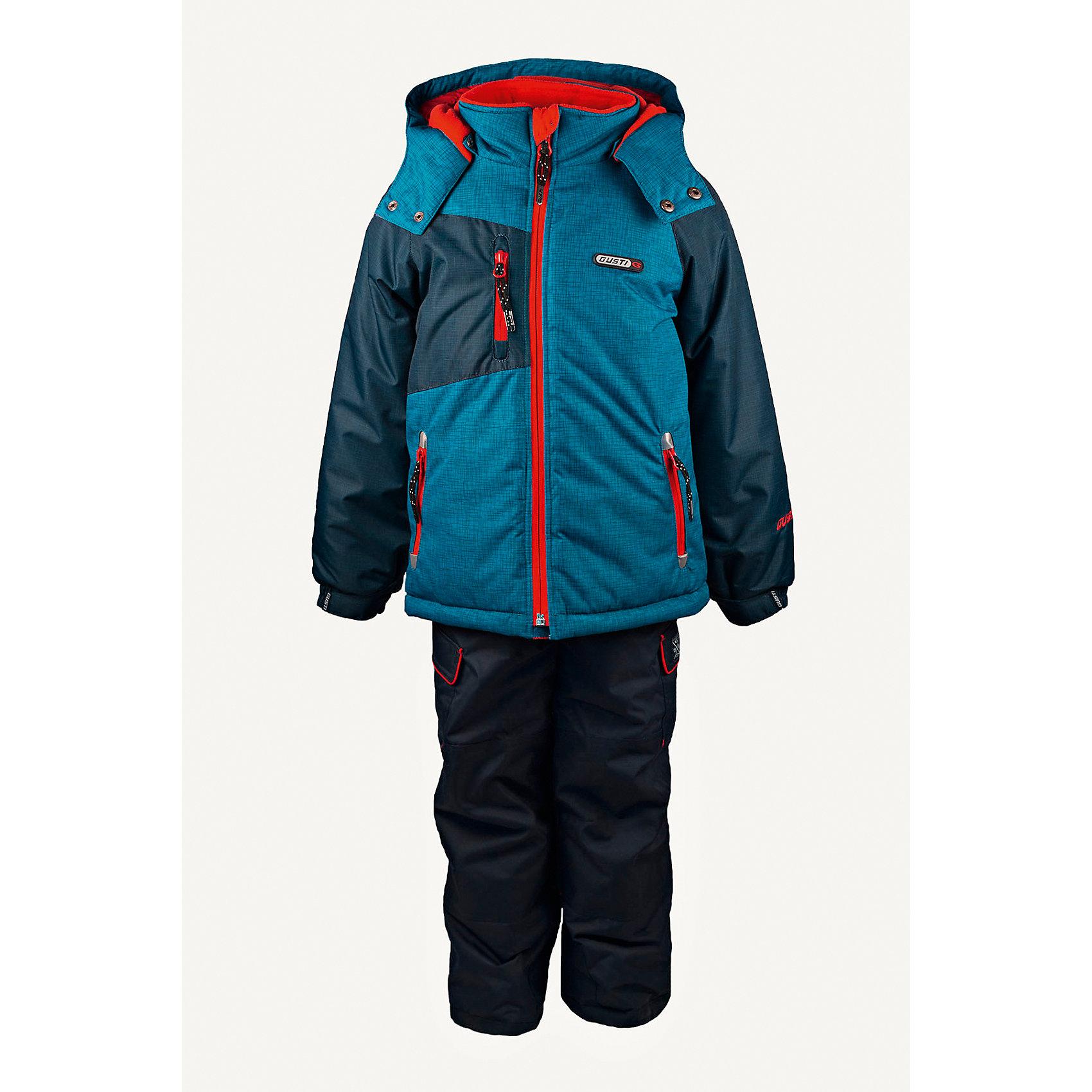 Комплект: куртка и полукомбинезон GUSTIВерхняя одежда<br>Комплект: куртка и полукомбинезон GUSTI (ГУСТИ) – это идеальный вариант для суровой зимы с сильными морозами.<br><br>Температурный режим: до -30  градусов. Степень утепления – высокая. <br><br>* Температурный режим указан приблизительно — необходимо, прежде всего, ориентироваться на ощущения ребенка. Температурный режим работает в случае соблюдения правила многослойности – использования флисовой поддевы и термобелья.<br><br>Комплект от GUSTI (ГУСТИ) состоит из куртки и полукомбинезона прямого кроя, выполненных из плотного непромокаемого материала с защитной от влаги мембраной 5000 мм. Тань хорошо сохраняет тепло, отталкивает влагу и позволяет коже ребенка дышать. Утеплитель из тек-полифилла и флисовая внутренняя отделка на груди и на спинке дают возможность использовать комплект при очень низких температурах. Куртка застегивается на молнию, имеет три внутренних кармана на застежках-молниях, снегозащитную юбку, трикотажные манжеты в рукавах, отстёгивающийся прилегающий капюшон с флисовой подкладкой. Низ рукавов регулируется с помощью липучек. Полукомбинезон застегивается на молнию, имеет два накладных кармана с клапанами на липучках, регулируемые лямки, снегозащитные гетры. Длина брючин регулируется (отворот с креплением на липе). Сзади, на коленях, и по низу брючин имеется дополнительный слой ткани Cordura Oxford (сверхстойкий полиэстер). До размера 6х (120 см.) у полукомбинезона высокая грудка, в размерах 7 (122 см.) - 14 (164см) отстегивающаяся спинка, грудки нет. Модель подходит для прогулок на морозе до -30 градусов.<br><br>Дополнительная информация:<br><br>- Сезон: зима<br>- Пол: мальчик<br>- Цвет: голубой, синий<br>- Узор: однотонный<br>- Температурный режим до -30 градусов<br>- Материал верха: куртка - shuss 5000мм (100% полиэстер); брюки - taslan 5000мм, накладки Cordura Oxford сзади, на коленях, и по низу брючин<br>- Наполнитель: куртка - тек-полифилл плотностью 283 гр/м (10 унций) 100% полиэстер; брю