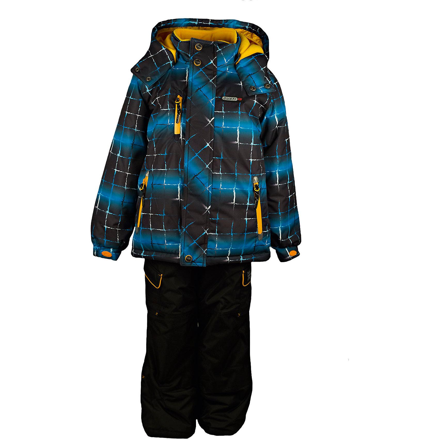 Комплект: куртка и полукомбинезон GUSTIВерхняя одежда<br>Комплект: куртка и полукомбинезон GUSTI (ГУСТИ) – это идеальный вариант для суровой зимы с сильными морозами.<br><br>Температурный режим: до -30  градусов. Степень утепления – высокая. <br><br>* Температурный режим указан приблизительно — необходимо, прежде всего, ориентироваться на ощущения ребенка. Температурный режим работает в случае соблюдения правила многослойности – использования флисовой поддевы и термобелья.<br><br>Комплект от GUSTI (ГУСТИ) состоит из куртки и полукомбинезона прямого кроя, выполненных из плотного непромокаемого материала с защитной от влаги мембраной 5000 мм. Тань хорошо сохраняет тепло, отталкивает влагу и позволяет коже ребенка дышать. Утеплитель из тек-полифилла и флисовая внутренняя отделка на груди и на спинке дают возможность использовать комплект при очень низких температурах. Куртка застегивается на молнию с ветрозащитной планкой, имеет внутренние карманы на молниях, снегозащитную юбку, трикотажные манжеты в рукавах, отстёгивающийся прилегающий капюшон с флисовой подкладкой, высокий ворот с защитой подбородка. Низ рукавов регулируется с помощью липучек. Полукомбинезон застегивается на молнию, имеет два накладных кармана с клапанами, регулируемые лямки, снегозащитные гетры. Длина брючин регулируется (отворот с креплением на липе). Сзади, на коленях, и по низу брючин имеется дополнительный слой ткани Cordura Oxford (сверхстойкий полиэстер). До размера 6х (120 см.) у полукомбинезона высокая грудка, в размерах 7 (122 см.) - 14 (164см) отстегивающаяся спинка, грудки нет. Модель подходит для прогулок на морозе до -30 градусов.<br><br>Дополнительная информация:<br><br>- Сезон: зима<br>- Пол: мальчик<br>- Цвет: синий, черный, серый, желтый<br>- Узор: клетка<br>- Температурный режим до -30 градусов<br>- Материал верха: куртка - shuss 5000мм (100% полиэстер); брюки - taslan 5000мм, накладки Cordura Oxford сзади, на коленях, и по низу брючин<br>- Наполнитель: куртка - тек-полифилл плотно