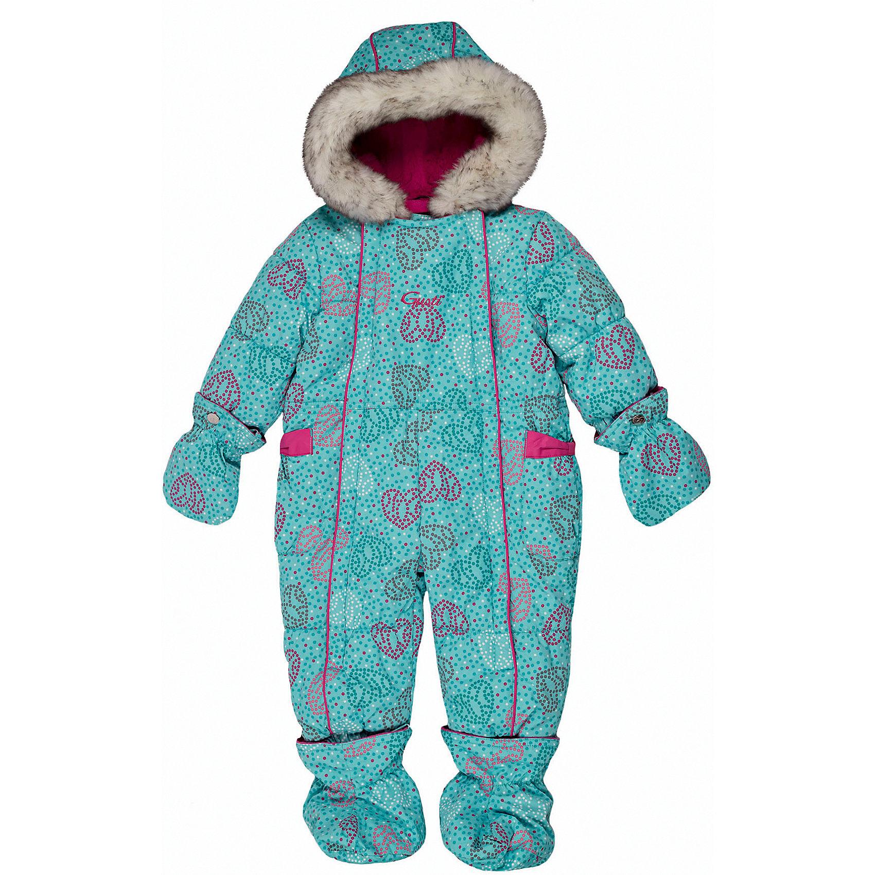Комбинезон GUSTIВерхняя одежда<br>Комбинезон GUSTI (ГУСТИ) – это комфортный качественный комбинезон, который обеспечит надежную защиту Вашему малышу от холодов в зимний сезон.<br><br>Температурный режим: до -30  градусов. Степень утепления – высокая. <br><br>* Температурный режим указан приблизительно — необходимо, прежде всего, ориентироваться на ощущения ребенка. Температурный режим работает в случае соблюдения правила многослойности – использования флисовой поддевы и термобелья.<br><br>Зимний комбинезон для девочки от GUSTI (ГУСТИ) выполнен из плотного непромокаемого материала с защитной от влаги мембраной 5000 мм. Тань хорошо сохраняет тепло, отталкивает влагу и позволяет коже ребенка дышать. Утеплитель из тек-полифилла и флисовая внутренняя отделка дают возможность использовать комбинезон при очень низких температурах. Наличие двух молний облегчает одевание и раздевание ребенка. Несъемный капюшон изнутри отделан искусственным мехом. В комплекте отстегивающиеся варежки и пинетки. Особую нарядность комбинезону придают опушка на капюшоне, вышивка с монограммой Gusti на груди и яркие бантики пришитые на карманах. Цельный зимний комбинезон от GUSTI (ГУСТИ) не ограничивает движений и идеально защищает от ветра, холода и низких температур. Модель подходит для прогулок на морозе до -30 градусов. <br><br>Дополнительная информация:<br><br>- Сезон: зима<br>- Температурный режим до -30 градусов<br>- Цвет: бирюзовый<br>- Материал верха: shuss 5000мм (100% полиэстер)<br>- Наполнитель: тек-полифилл плотностью 283 гр/м (10 унций) 100% полиэстер<br>- Подкладка: флис (100% полиэстер)<br>- 2 молнии и фурнитура YKK<br>- Светоотражающие элементы 3М Scotchlite<br>- Пинетки и рукавички отстегиваются<br>- Уход: машинная стирка, легкие загрязнения можно смыть губкой без стирки<br><br>Комбинезон GUSTI (ГУСТИ) можно купить в нашем интернет-магазине.<br><br>Ширина мм: 356<br>Глубина мм: 10<br>Высота мм: 245<br>Вес г: 519<br>Цвет: синий<br>Возраст от месяцев: 3<br>Возраст до месяцев: 6<br>