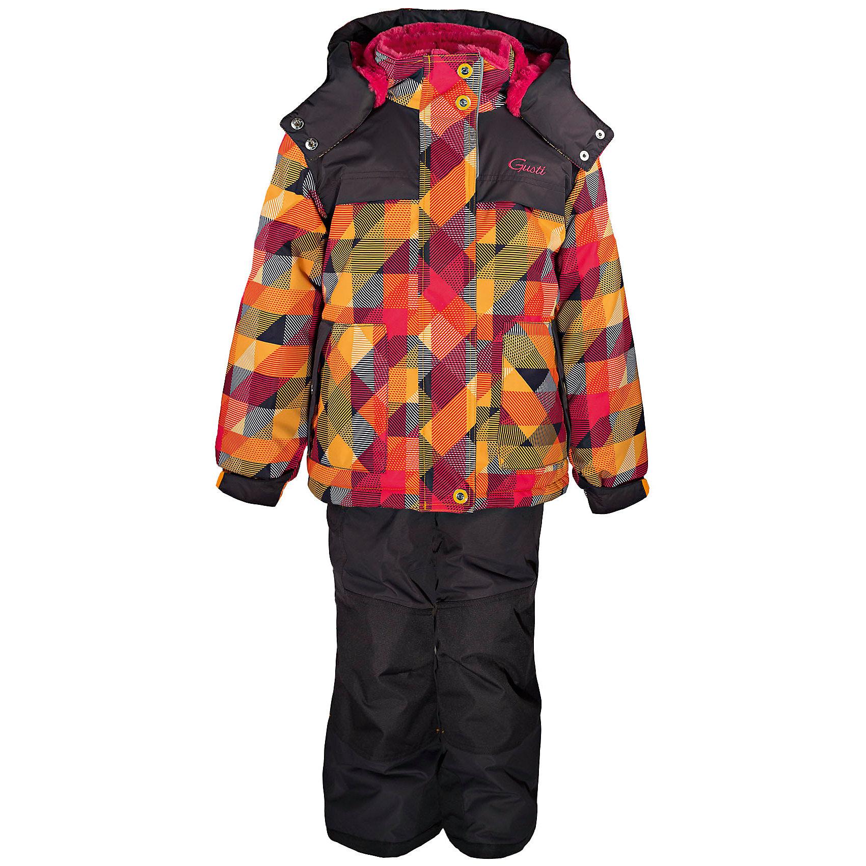 Комплект: куртка и полукомбинезон GUSTIКомплект: куртка и полукомбинезон GUSTI (ГУСТИ) – это идеальный вариант для суровой зимы с сильными морозами.<br><br>Температурный режим: до -30  градусов. Степень утепления – высокая. <br><br>* Температурный режим указан приблизительно — необходимо, прежде всего, ориентироваться на ощущения ребенка. Температурный режим работает в случае соблюдения правила многослойности – использования флисовой поддевы и термобелья.<br><br>Комплект от GUSTI (ГУСТИ) состоит из куртки и полукомбинезона, выполненных из плотного непромокаемого материала с защитной от влаги мембраной 5000 мм. Тань хорошо сохраняет тепло, отталкивает влагу и позволяет коже ребенка дышать. Утеплитель из тек-полифилла и флисовая внутренняя отделка на груди и на спинке дают возможность использовать комплект при очень низких температурах. Куртка застегивается на молнию с ветрозащитной планкой, имеет два кармана, высокий ворот с защитой подбородка, снегозащитную юбку, трикотажные манжеты в рукавах, отстёгивающийся капюшон с подкладкой из искусственного меха. Полукомбинезон застегивается на молнию, имеет накладной карман с клапаном на липучке, регулируемые лямки, снегозащитные гетры. Длина брючин регулируется (отворот с креплением на липе). Сзади, на коленях, и по низу брючин имеется дополнительный слой ткани Cordura Oxford (сверхстойкий полиэстер). До размера 6х (120 см.) у полукомбинезона высокая грудка, в размерах 7 (122 см.) - 14 (164см) отстегивающаяся спинка, грудки нет. Модель подходит для прогулок на морозе до -30 градусов.<br><br>Дополнительная информация:<br><br>- Сезон: зима<br>- Пол: девочка<br>- Температурный режим до -30 градусов<br>- Материал верха: куртка - shuss 5000мм (100% полиэстер); брюки - taslan 5000мм, накладки Cordura Oxford сзади, на коленях, и по низу брючин<br>- Наполнитель: куртка - тек-полифилл плотностью 283 гр/м (10 унций) 100% полиэстер; брюки - тек-полифилл плотностью 170 гр/м (6 унций) 100% полиэстер<br>- Подкладка: куртка - флис на груд