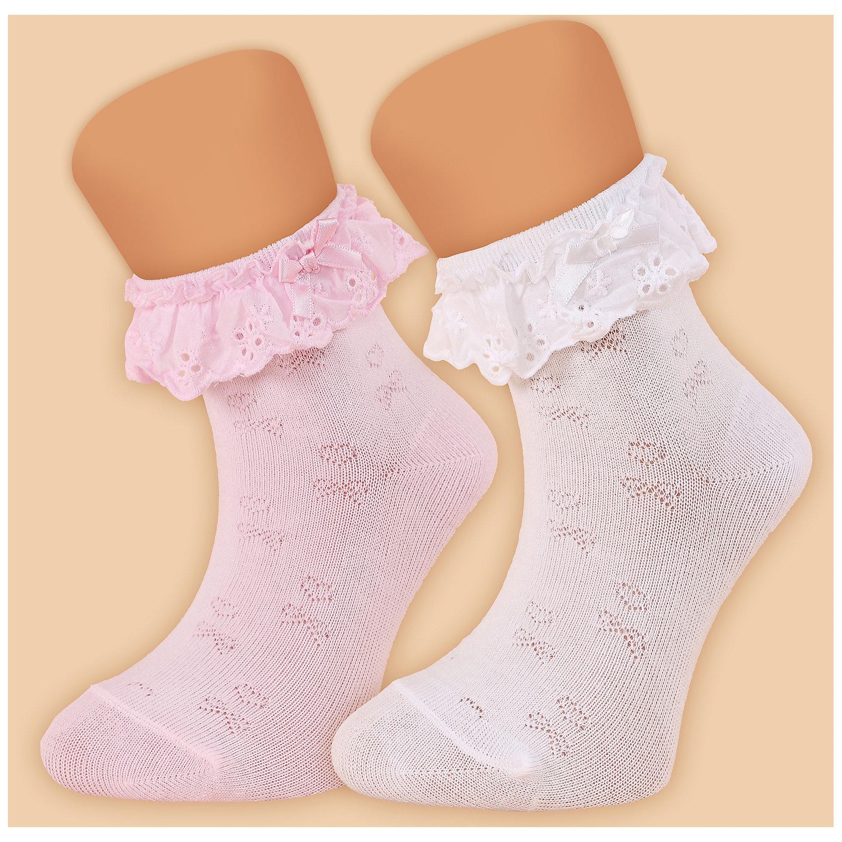 Носки для девочки  GlamurikiХарактеристики:<br><br>• Вид одежды: чулочно-носочные изделия<br>• Сезон: круглый год<br>• Пол: для девочки<br>• Цвет: розовый<br>• Коллекция: Классик<br>• Материал: лайкра – 2%, нейлон – 25%, хлопок – 73%<br>• Уход: ручная стирка<br><br>Носки для девочки  Glamuriki изготовлены по итальянской технологии из трикотажа высокого качества, в состав которого входит лайкра, нейлон и хлопок. Такое сочетание обеспечивает прочность, эластичность и хорошую посадку на ноге.  Изделие полностью гипоаллергенно. Носки выполнены ажурной вязкой розового цвета, на резинке имеется оборка из хлопка с шитьем и узкий бантик. Такие носочки дополнят праздничный образ вашей девочки и станут ярким аксессуаром детского гардероба.  <br><br>Носки для девочки  Glamuriki можно купить в нашем интернет-магазине.<br><br>Подробнее:<br>Номер товара: 4973193<br>Страна производитель: Китай<br><br>Ширина мм: 87<br>Глубина мм: 10<br>Высота мм: 105<br>Вес г: 115<br>Цвет: розовый<br>Возраст от месяцев: 72<br>Возраст до месяцев: 84<br>Пол: Женский<br>Возраст: Детский<br>Размер: 28-30,24-26<br>SKU: 4973193
