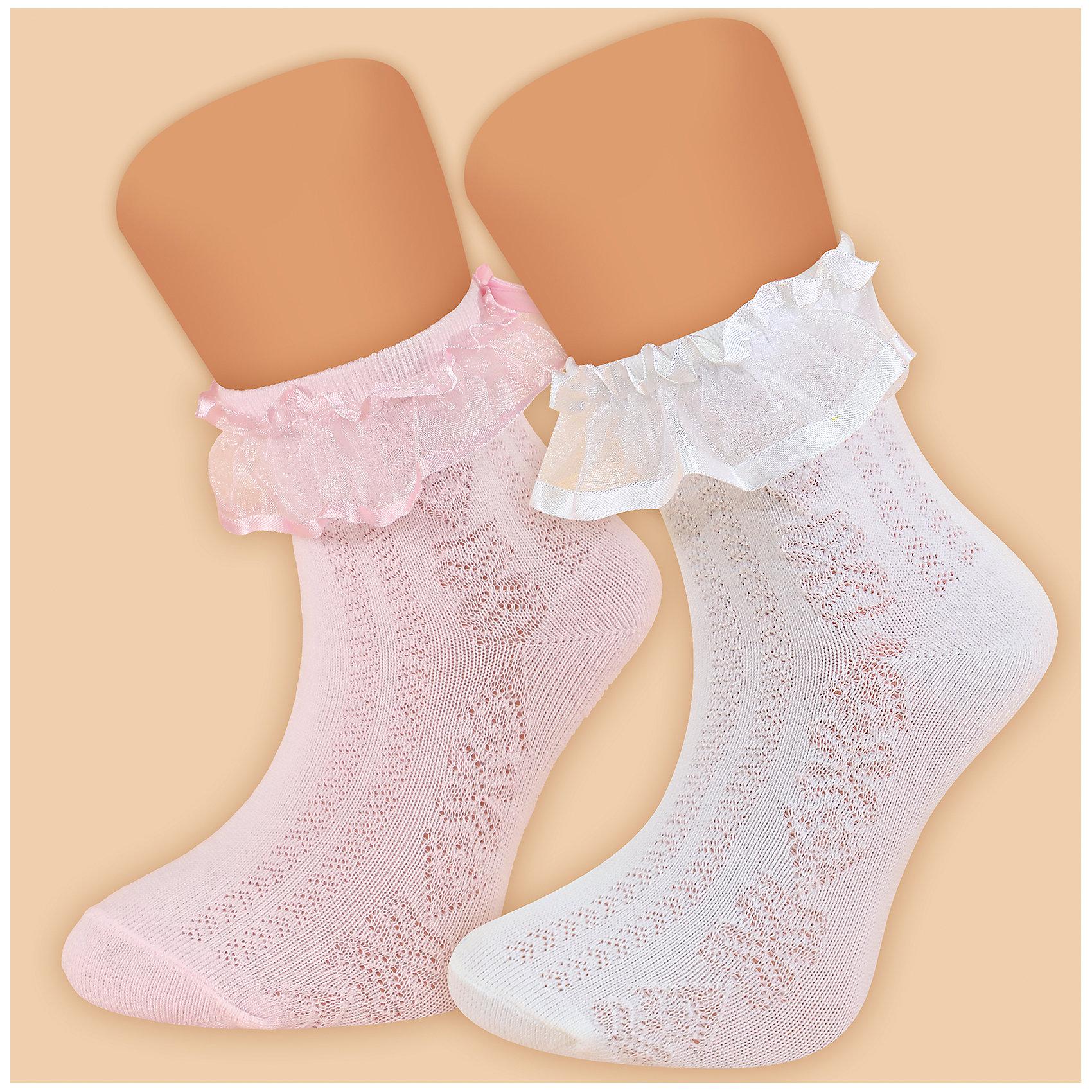 Носки для девочки  GlamurikiХарактеристики:<br><br>• Вид одежды: чулочно-носочные изделия<br>• Сезон: круглый год<br>• Пол: для девочки<br>• Цвет: белый<br>• Коллекция: Классик<br>• Материал: лайкра – 2%, нейлон – 25%, хлопок – 73%<br>• Уход: ручная стирка<br><br>Носки для девочки  Glamuriki изготовлены по итальянской технологии из трикотажа высокого качества, в состав которого входит лайкра, нейлон и хлопок. Такое сочетание обеспечивает прочность, эластичность и хорошую посадку на ноге.  Изделие полностью гипоаллергенно. Носки выполнены ажурной вязкой белого цвета, на резинке имеется оборка из капроновой ленты. Такие носочки дополнят праздничный образ вашей девочки и станут ярким аксессуаром детского гардероба.  <br><br>Носки для девочки  Glamuriki можно купить в нашем интернет-магазине.<br><br>Подробнее:<br>Номер товара: 4973196<br>Страна производитель: Китай<br><br>Ширина мм: 87<br>Глубина мм: 10<br>Высота мм: 105<br>Вес г: 115<br>Цвет: белый<br>Возраст от месяцев: 72<br>Возраст до месяцев: 84<br>Пол: Женский<br>Возраст: Детский<br>Размер: 28-30,24-26<br>SKU: 4973196