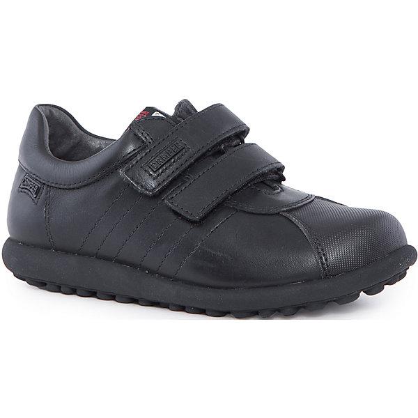 Полуботинки для мальчика CamperБотинки<br>Характеристики:<br><br>• Предназначение: повседневная обувь<br>• Сезон: демисезонные<br>• Пол: для мальчика<br>• Цвет: черный<br>• Материал верха и стельки: натуральная кожа<br>• Материал подошвы: резина<br>• Тип каблука и подошвы: плоская<br>• Тип застежки: ремешки-липучки<br>• Уход: удаление загрязнений мягкой тканью<br><br>Полуботинки для мальчика Camper изготовлены испанским торговым брендом, специализирующимся на производстве обуви премиум-класса. Детская обувь Camper учитывает анатомические особенности детской растущей ноги, поэтому она изготавливается исключительно из натуральной кожи. Полуботинки выполнены из гладкой кожи, все элементы верха прошиты, имеется ортопедическая стелька, для защиты от натирания предусмотрена мягкая пятка. Обувь представляет собой детскую версию культовой модели Pelotas со всеми атрибутами брендового дизайна, которая отличается повышенной стойкостью к износу. <br><br>Полуботинки для мальчика Camper можно купить в нашем интернет-магазине.<br><br>Ширина мм: 262<br>Глубина мм: 176<br>Высота мм: 97<br>Вес г: 427<br>Цвет: черный<br>Возраст от месяцев: 108<br>Возраст до месяцев: 120<br>Пол: Мужской<br>Возраст: Детский<br>Размер: 33,31,37,35,34,36,30,38,32<br>SKU: 4974863