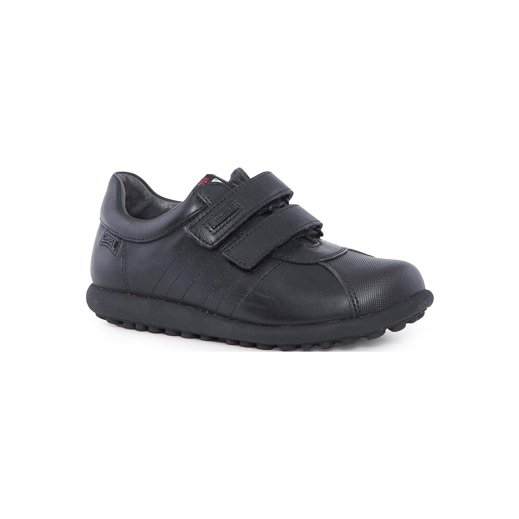Полуботинки для мальчика CamperХарактеристики:<br><br>• Предназначение: повседневная обувь<br>• Сезон: демисезонные<br>• Пол: для мальчика<br>• Цвет: черный<br>• Материал верха и стельки: натуральная кожа<br>• Материал подошвы: резина<br>• Тип каблука и подошвы: плоская<br>• Тип застежки: ремешки-липучки<br>• Уход: удаление загрязнений мягкой тканью<br><br>Полуботинки для мальчика Camper изготовлены испанским торговым брендом, специализирующимся на производстве обуви премиум-класса. Детская обувь Camper учитывает анатомические особенности детской растущей ноги, поэтому она изготавливается исключительно из натуральной кожи. Полуботинки выполнены из гладкой кожи, все элементы верха прошиты, имеется ортопедическая стелька, для защиты от натирания предусмотрена мягкая пятка. Обувь представляет собой детскую версию культовой модели Pelotas со всеми атрибутами брендового дизайна, которая отличается повышенной стойкостью к износу. <br><br>Полуботинки для мальчика Camper можно купить в нашем интернет-магазине.<br><br>Ширина мм: 262<br>Глубина мм: 176<br>Высота мм: 97<br>Вес г: 427<br>Цвет: черный<br>Возраст от месяцев: 156<br>Возраст до месяцев: 168<br>Пол: Мужской<br>Возраст: Детский<br>Размер: 33,36,34,35,37,31,32,38,30<br>SKU: 4974863