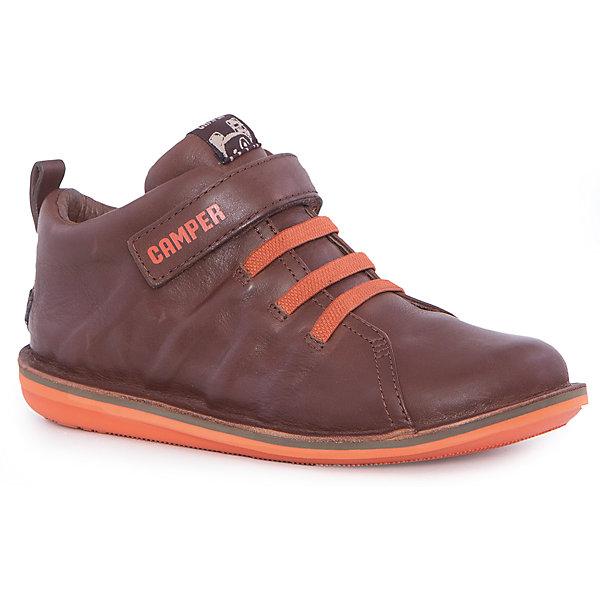 Ботинки для мальчика CamperБотинки<br>Характеристики:<br><br>• Предназначение: повседневная обувь<br>• Сезон: демисезонные<br>• Пол: для мальчика<br>• Цвет: коричневый, оранжевый<br>• Материал верха и стельки: натуральная кожа<br>• Материал подошвы: резина<br>• Тип каблука и подошвы: плоская<br>• Тип застежки: ремешки-липучки<br>• Уход: удаление загрязнений мягкой тканью<br><br>Ботинки для мальчика Camper изготовлены испанским торговым брендом, специализирующимся на производстве обуви премиум-класса. Детская обувь Camper учитывает анатомические особенности детской растущей ноги, поэтому она изготавливается исключительно из натуральной кожи. Ботинки выполнены из гладкой кожи, все элементы верха прошиты, имеется ортопедическая стелька, для защиты от натирания предусмотрена мягкая пятка. Эта модель битинок выполнена с повышенными влагостойкими свойствами, поэтому подойдет для прогулок в дождливое время года. Обувь представляет собой детскую версию модели Beetle со всеми атрибутами брендового дизайна. <br><br>Ботинки для мальчика Camper можно купить в нашем интернет-магазине.<br><br>Ширина мм: 262<br>Глубина мм: 176<br>Высота мм: 97<br>Вес г: 427<br>Цвет: коричневый<br>Возраст от месяцев: 132<br>Возраст до месяцев: 144<br>Пол: Мужской<br>Возраст: Детский<br>Размер: 35,34,33,36,32,37,30,38,31<br>SKU: 4974909