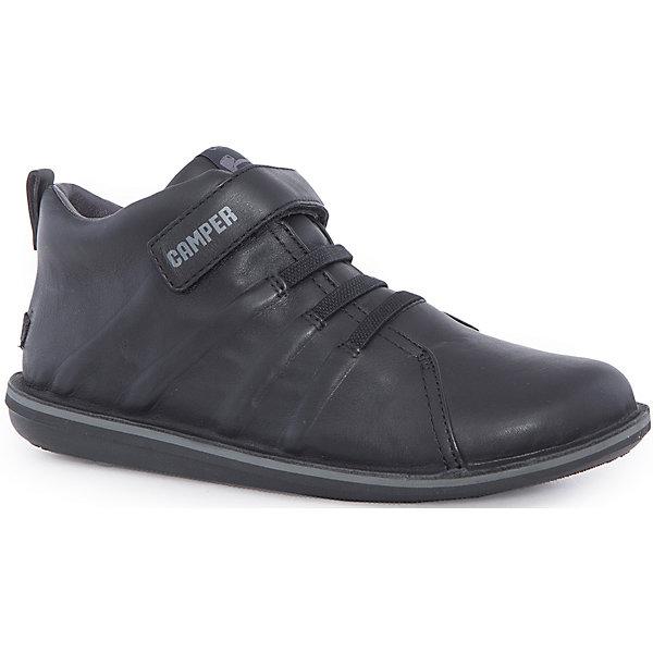 Ботинки для мальчика CamperБотинки<br>Характеристики:<br><br>• Предназначение: повседневная обувь<br>• Сезон: демисезонные<br>• Пол: для мальчика<br>• Цвет: черный, серый<br>• Материал верха и стельки: натуральная кожа<br>• Материал подошвы: резина<br>• Тип каблука и подошвы: плоская<br>• Тип застежки: ремешки-липучки<br>• Уход: удаление загрязнений мягкой тканью<br><br>Ботинки для мальчика Camper изготовлены испанским торговым брендом, специализирующимся на производстве обуви премиум-класса. Детская обувь Camper учитывает анатомические особенности детской растущей ноги, поэтому она изготавливается исключительно из натуральной кожи. Ботинки выполнены из гладкой кожи, все элементы верха прошиты, имеется ортопедическая стелька, для защиты от натирания предусмотрена мягкая пятка. Эта модель битинок выполнена с повышенными влагостойкими свойствами, поэтому подойдет для прогулок в дождливое время года. Обувь представляет собой детскую версию модели Beetle со всеми атрибутами брендового дизайна. <br><br>Ботинки для мальчика Camper можно купить в нашем интернет-магазине.<br><br>Ширина мм: 262<br>Глубина мм: 176<br>Высота мм: 97<br>Вес г: 427<br>Цвет: черный<br>Возраст от месяцев: 120<br>Возраст до месяцев: 132<br>Пол: Мужской<br>Возраст: Детский<br>Размер: 34,26,38,28,33,25,35,36,27,29,31,30,32,37<br>SKU: 4974919