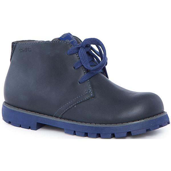Ботинки для мальчика CamperБотинки<br>Характеристики:<br><br>• Предназначение: повседневная обувь<br>• Сезон: демисезонные<br>• Пол: для мальчика<br>• Цвет: синий, серый<br>• Материал верха и стельки: натуральная кожа<br>• Материал подошвы: резина<br>• Тип каблука и подошвы: каблук венский, рифленая подошва<br>• Тип застежки: шнурки, замок-молния боковая<br>• Уход: удаление загрязнений мягкой тканью<br><br>Ботинки для мальчика Camper изготовлены испанским торговым брендом, специализирующимся на производстве обуви премиум-класса. Детская обувь Camper учитывает анатомические особенности детской растущей ноги, поэтому она изготавливается исключительно из натуральной кожи. Ботинки выполнены из гладкой кожи, все элементы верха прошиты, имеется ортопедическая стелька. Эта модель ботинок выполнена с повышенными влагостойкими и антискользящими свойствами. Ботинки выполнены в дизайне детской линии от Camper – Compas, которая отличается классическим стилем и яркими атрибутами, высокой прочностью, износостойкостью и при этом легким весом и гибкостью. <br><br>Ботинки для мальчика Camper можно купить в нашем интернет-магазине.<br><br>Ширина мм: 262<br>Глубина мм: 176<br>Высота мм: 97<br>Вес г: 427<br>Цвет: серый<br>Возраст от месяцев: 120<br>Возраст до месяцев: 132<br>Пол: Мужской<br>Возраст: Детский<br>Размер: 34,37,32,31,33,35,36,38<br>SKU: 4974943