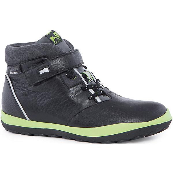Ботинки для мальчика CamperБотинки<br>Характеристики:<br><br>• Предназначение: повседневная обувь<br>• Сезон: демисезонные<br>• Пол: для мальчика<br>• Цвет: черный, синий, салатовый<br>• Материал верха и стельки: натуральная кожа, текстиль, замша<br>• Материал подошвы: резина<br>• Тип каблука и подошвы: рифленая подошва<br>• Тип застежки: шнурки, ремешки-липучки<br>• Уход: удаление загрязнений мягкой тканью<br><br>Ботинки для мальчика Camper изготовлены испанским торговым брендом, специализирующимся на производстве обуви премиум-класса. Детская обувь Camper учитывает анатомические особенности детской растущей ноги, поэтому она изготавливается исключительно из натуральной кожи. Ботинки выполнены из сочетания гладкой кожи и замши, все элементы верха прошиты, имеется ортопедическая стелька. Эта модель ботинок выполнена с повышенными влагостойкими и антискользящими свойствами, имеет дополнительное утепление. Ботинки выполнены в дизайне детской линии от Camper – Peu Pista, которая отличается спортивным дизайном и яркими элементами, анатомической формой и повышенными комфортными свойствами. <br><br>Ботинки для мальчика Camper можно купить в нашем интернет-магазине.<br><br>Ширина мм: 262<br>Глубина мм: 176<br>Высота мм: 97<br>Вес г: 427<br>Цвет: черный<br>Возраст от месяцев: 96<br>Возраст до месяцев: 108<br>Пол: Мужской<br>Возраст: Детский<br>Размер: 32,36,31,34,38,33,37,35<br>SKU: 4974998
