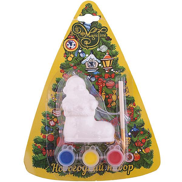 Набор для творчества Снеговик в ботинкеНаборы для раскрашивания<br>Набор для творчества Снеговик в ботинке включает в себя все для создания оригинальной новогодней поделки. Яркие краски хорошо ложатся на поверхность фигурки и быстро сохнут. Фигурка, раскрашенная своими руками станет прекрасным украшением новогодней елки. Отличный вариант для новогоднего подарка! <br><br>Дополнительная информация:<br><br>- Материал: доломитовая керамика, акварельные краски, пластик. <br>- Размер: 4х3,2х7,5 см. <br>- Комплектация: фигурка, кисть, краски (3 цвета). <br><br>Набор для творчества Снеговик в ботинке можно купить в нашем магазине.<br><br>Ширина мм: 40<br>Глубина мм: 32<br>Высота мм: 75<br>Вес г: 450<br>Возраст от месяцев: 36<br>Возраст до месяцев: 2147483647<br>Пол: Унисекс<br>Возраст: Детский<br>SKU: 4981333