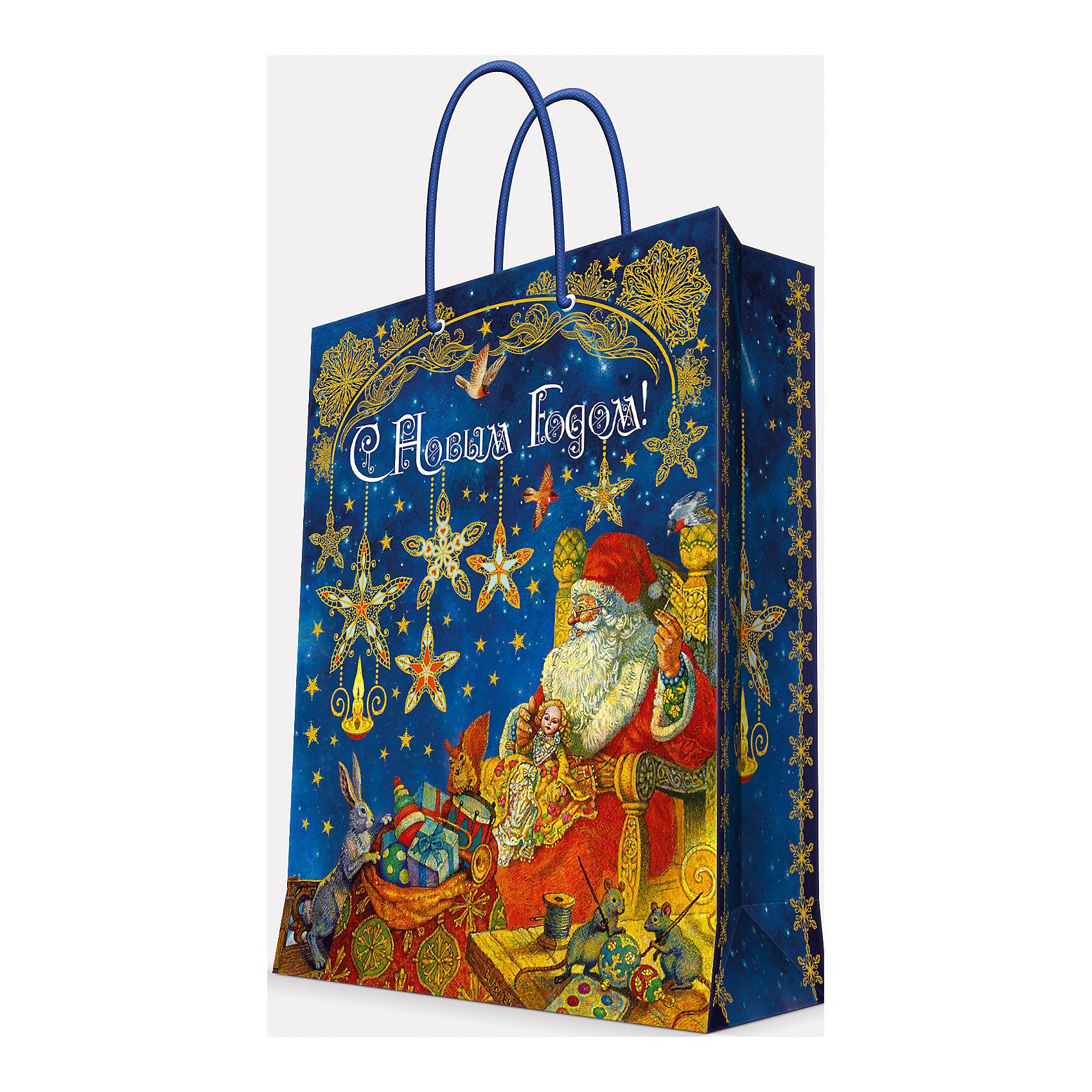 Подарочный пакет Мастерская Деда Мороза 17,8*22,9*9,8 смВсё для праздника<br>Предновогодние хлопоты многие любят даже больше самого праздника! Праздничное настроение создает украшенный дом, наряженная ёлка, запах мандаринов, предновогодняя суета и, конечно же, подарки! Чтобы сделать момент вручения приятнее, нужен красивый подарочный пакет.<br>Этот пакет украшен симпатичным универсальным рисунком, поэтому в него можно упаковать подарок и родственнику, и коллеге. Он сделан из безопасного для детей, прочного, но легкого, материала. Создайте с ним праздничное настроение себе и близким!<br><br>Дополнительная информация:<br><br>плотность бумаги: 140 г/м2;<br>размер: 18 х 23 х 10 см;<br>с ламинацией;<br>украшен рисунком.<br><br>Подарочный пакет Мастерская Деда Мороза 17,8*22,9*9,8 см можно купить в нашем магазине.<br><br>Ширина мм: 178<br>Глубина мм: 229<br>Высота мм: 98<br>Вес г: 39<br>Возраст от месяцев: 36<br>Возраст до месяцев: 2147483647<br>Пол: Унисекс<br>Возраст: Детский<br>SKU: 4981592