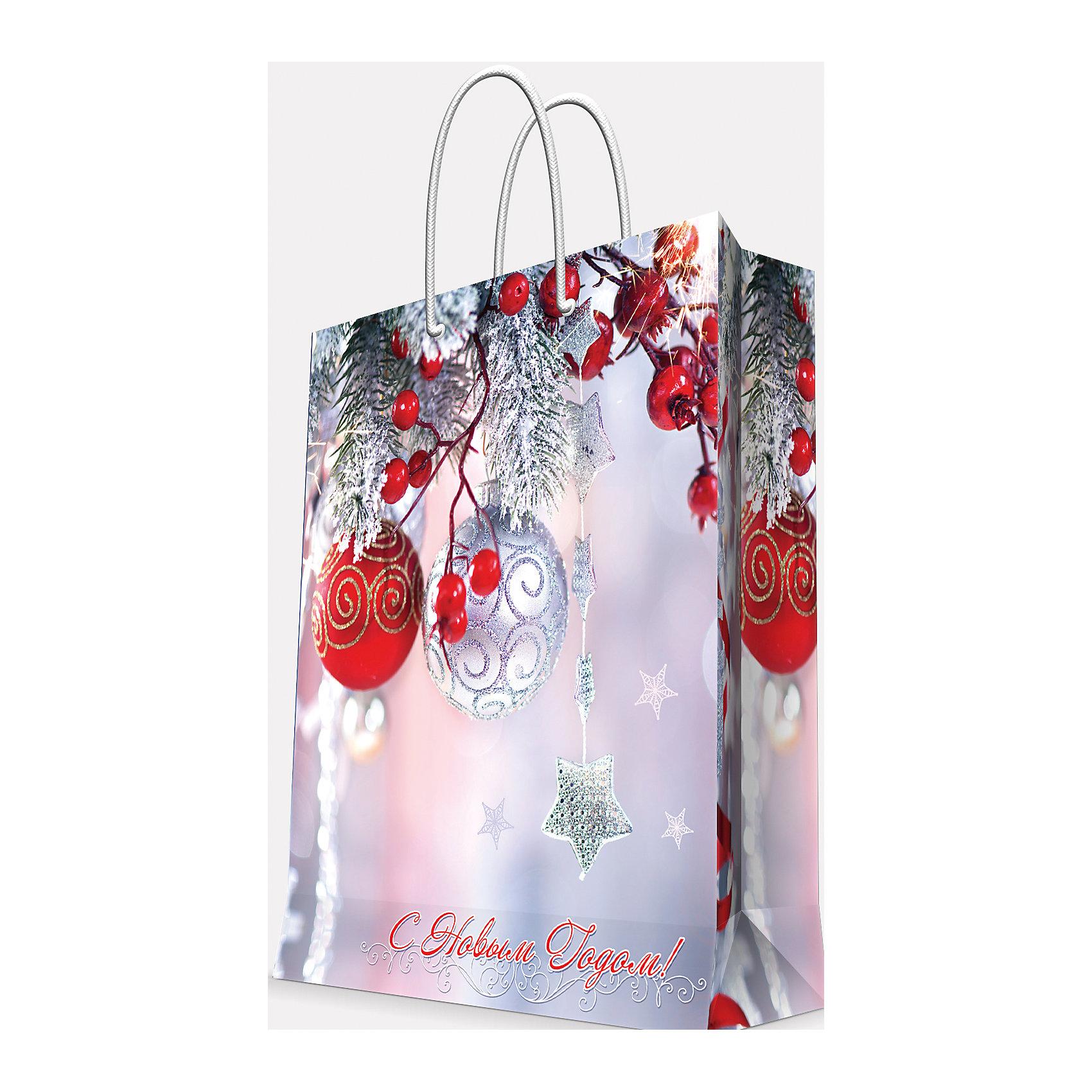 Подарочный пакет Шарики и звездочка 40,6*48,9*19 смВсё для праздника<br>Приближение Нового года не может не радовать! Праздничное настроение создает украшенный дом, наряженная ёлка, запах мандаринов, предновогодняя суета и, конечно же, подарки! Чтобы сделать момент вручения приятнее, нужен красивый подарочный пакет.<br>Этот пакет украшен симпатичным универсальным рисунком, поэтому в него можно упаковать подарок и родственнику, и коллеге. Он сделан из безопасного для детей, прочного, но легкого, материала. Создайте с ним праздничное настроение себе и близким!<br><br>Дополнительная информация:<br><br>плотность бумаги: 157 г/м2;<br>размер: 41 х 49 х 19 см;<br>с ламинацией;<br>украшен рисунком.<br><br>Подарочный пакет Шарики и звездочка 40,6*48,9*19 см можно купить в нашем магазине.<br><br>Ширина мм: 406<br>Глубина мм: 489<br>Высота мм: 190<br>Вес г: 154<br>Возраст от месяцев: 36<br>Возраст до месяцев: 2147483647<br>Пол: Унисекс<br>Возраст: Детский<br>SKU: 4981607