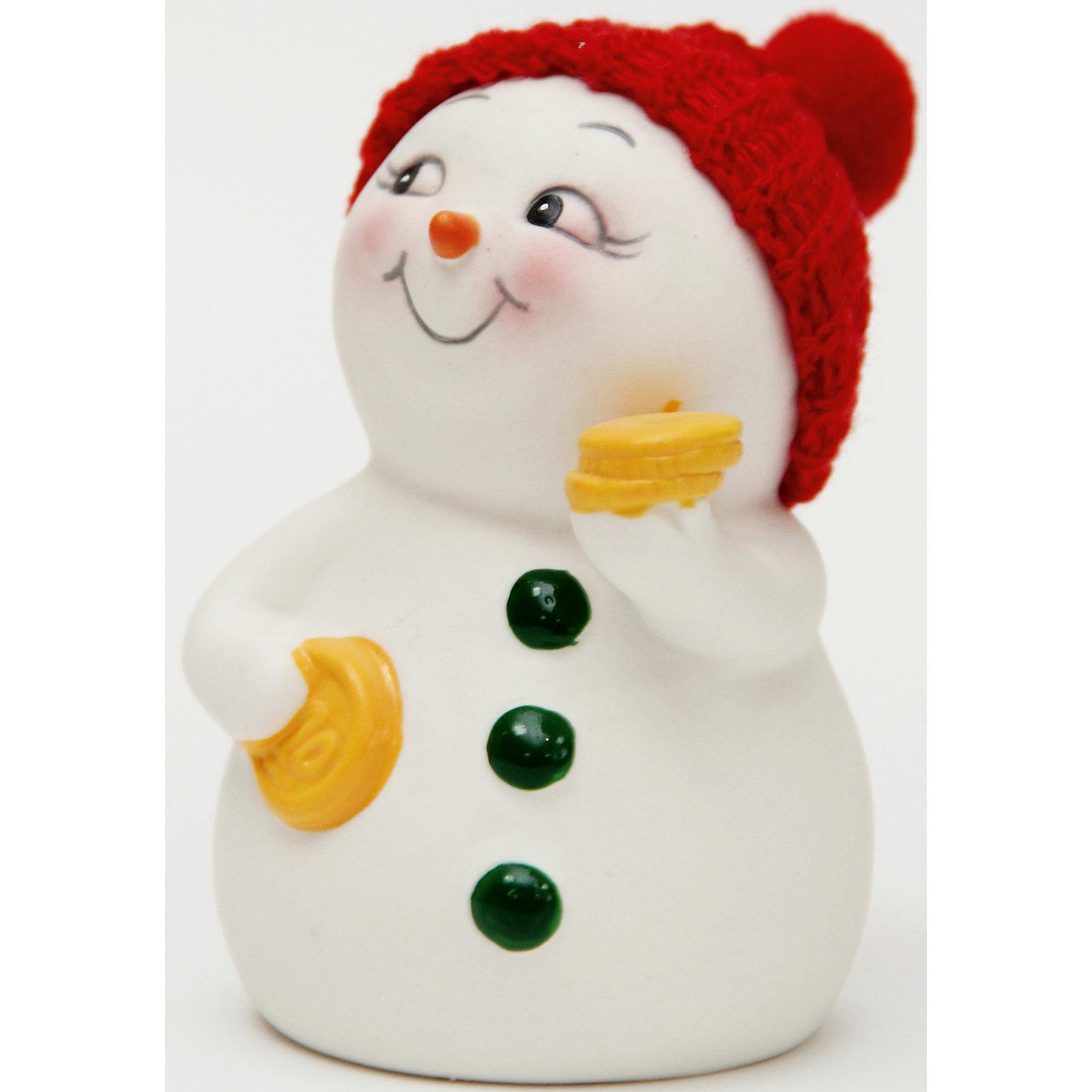 Керамический снеговик С монетамиВсё для праздника<br>Эта керамическая фигурка может стать отличным подарком на Новый год или украшением для дома! Особое время - сам праздник и предновогодние хлопоты - ждут не только дети, но и взрослые! Праздничное настроение создает в первую очередь украшенный дом и наряженная ёлка. <br>Эта фигурка создаст особый настрой, она выглядит очень празднично и симпатично. Изделие произведено из безопасного для детей материала. Создайте с ним праздничное настроение себе и близким!<br><br>Дополнительная информация:<br><br>цвет: разноцветный;<br>материал: керамика;<br>размер: 8 см.<br><br>Керамический снеговик С монетами можно купить в нашем магазине.<br><br>Ширина мм: 150<br>Глубина мм: 150<br>Высота мм: 60<br>Вес г: 104<br>Возраст от месяцев: 36<br>Возраст до месяцев: 2147483647<br>Пол: Унисекс<br>Возраст: Детский<br>SKU: 4981674