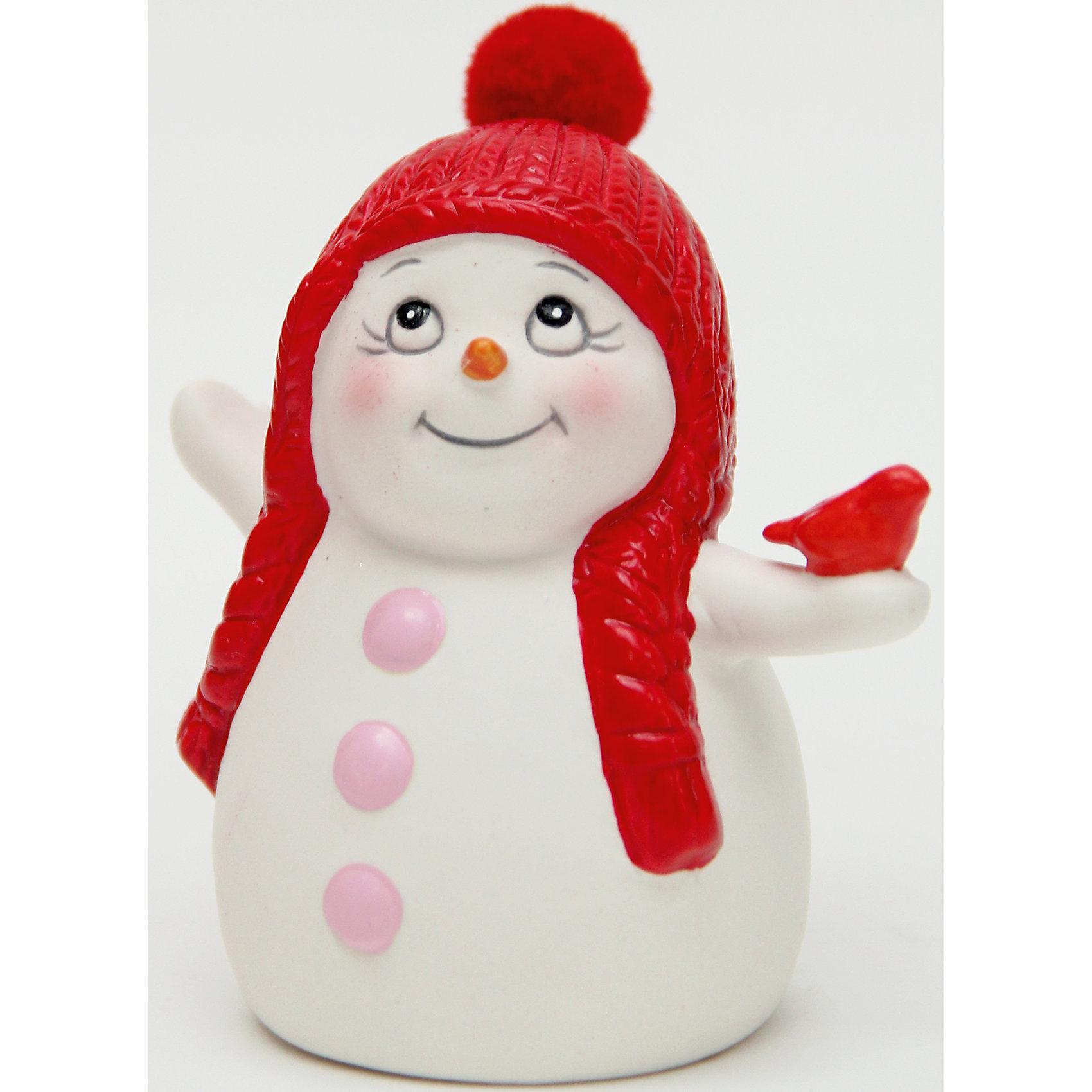 Керамический снеговик Со снегиремЭта керамическая фигурка может стать отличным подарком на Новый год или украшением для дома! Особое время - сам праздник и предновогодние хлопоты - ждут не только дети, но и взрослые! Праздничное настроение создает в первую очередь украшенный дом и наряженная ёлка. <br>Эта фигурка создаст особый настрой, она выглядит очень празднично и симпатично. Изделие произведено из безопасного для детей материала. Создайте с ним праздничное настроение себе и близким!<br><br>Дополнительная информация:<br><br>цвет: разноцветный;<br>материал: керамика;<br>размер: 8 см.<br><br>Керамический снеговик Со снегирем можно купить в нашем магазине.<br><br>Ширина мм: 150<br>Глубина мм: 150<br>Высота мм: 60<br>Вес г: 100<br>Возраст от месяцев: 36<br>Возраст до месяцев: 2147483647<br>Пол: Унисекс<br>Возраст: Детский<br>SKU: 4981675
