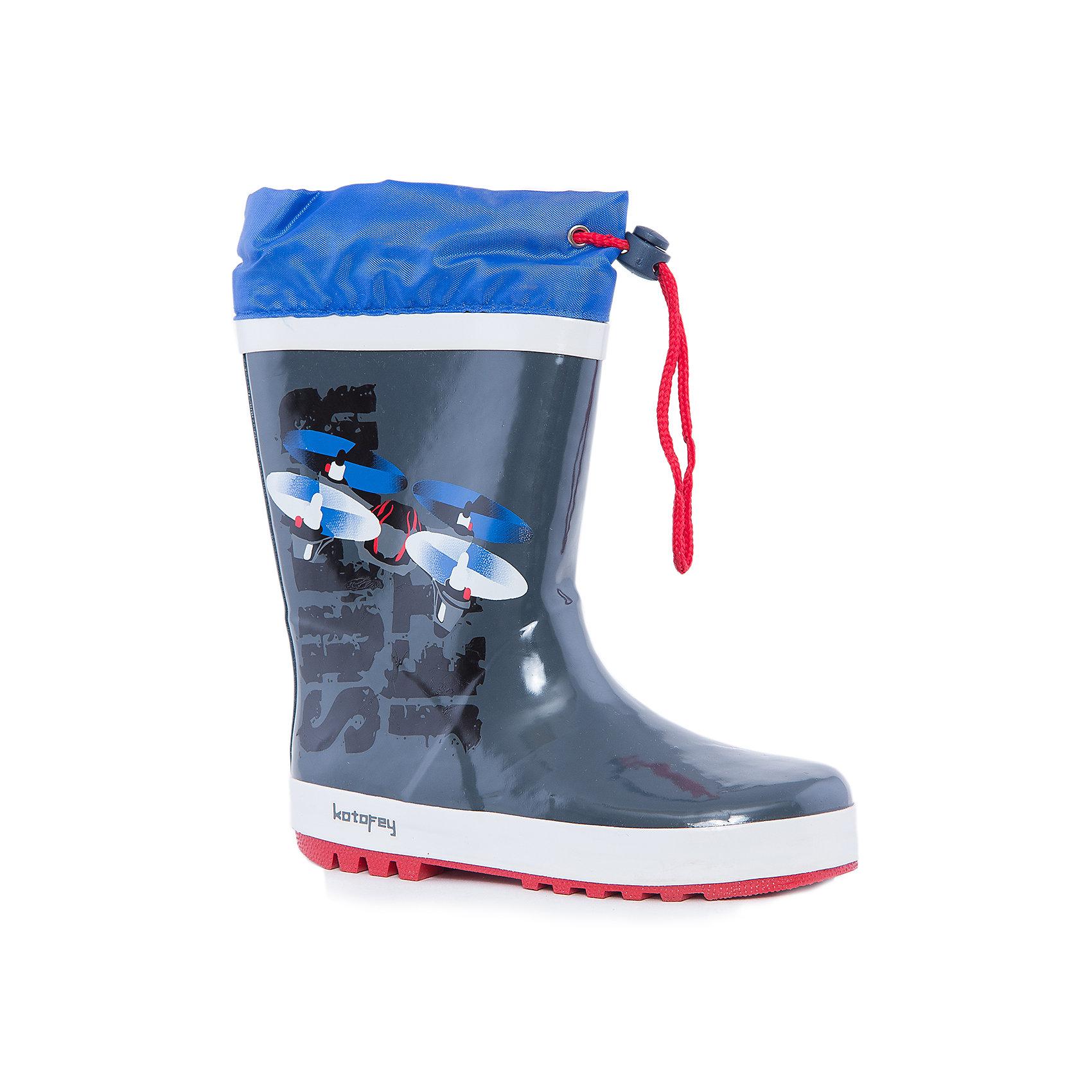 Резиновые сапоги  для мальчика КотофейРезиновые сапоги<br>Котофей – качественная и стильная детская обувь по доступным ценам. С каждым днем популярность бренда растет.  Резиновые сапожки – незаменимая вещь для осенней погоды. Теперь малышка может изучать лужи без риска промочить ножки и простудиться. На сапожках выполнен сказочный принт, который полюбится всем модникам. Нежные цвета сочетаются с любой одеждой, что позволяет создать множество стильных образов.<br><br>Дополнительная информация:<br><br>цвет: серо-синий;<br>вид крепления: горячая вулканизация;<br>застежка: шнур с фиксатором;<br>температурный режим: от 0° С до +15° С.<br><br>Состав:<br>материал верха  – резина;<br>материал подклада  - текстиль;<br>подошва - плотная резина.<br><br>Резиновые сапоги для мальчиков дошкольного и школьного возраста от фирмы  Котофей можно приобрести в нашем магазине.<br><br>Ширина мм: 257<br>Глубина мм: 180<br>Высота мм: 130<br>Вес г: 420<br>Цвет: сине-серый<br>Возраст от месяцев: 132<br>Возраст до месяцев: 144<br>Пол: Мужской<br>Возраст: Детский<br>Размер: 35,32,34,30,33,31<br>SKU: 4982106
