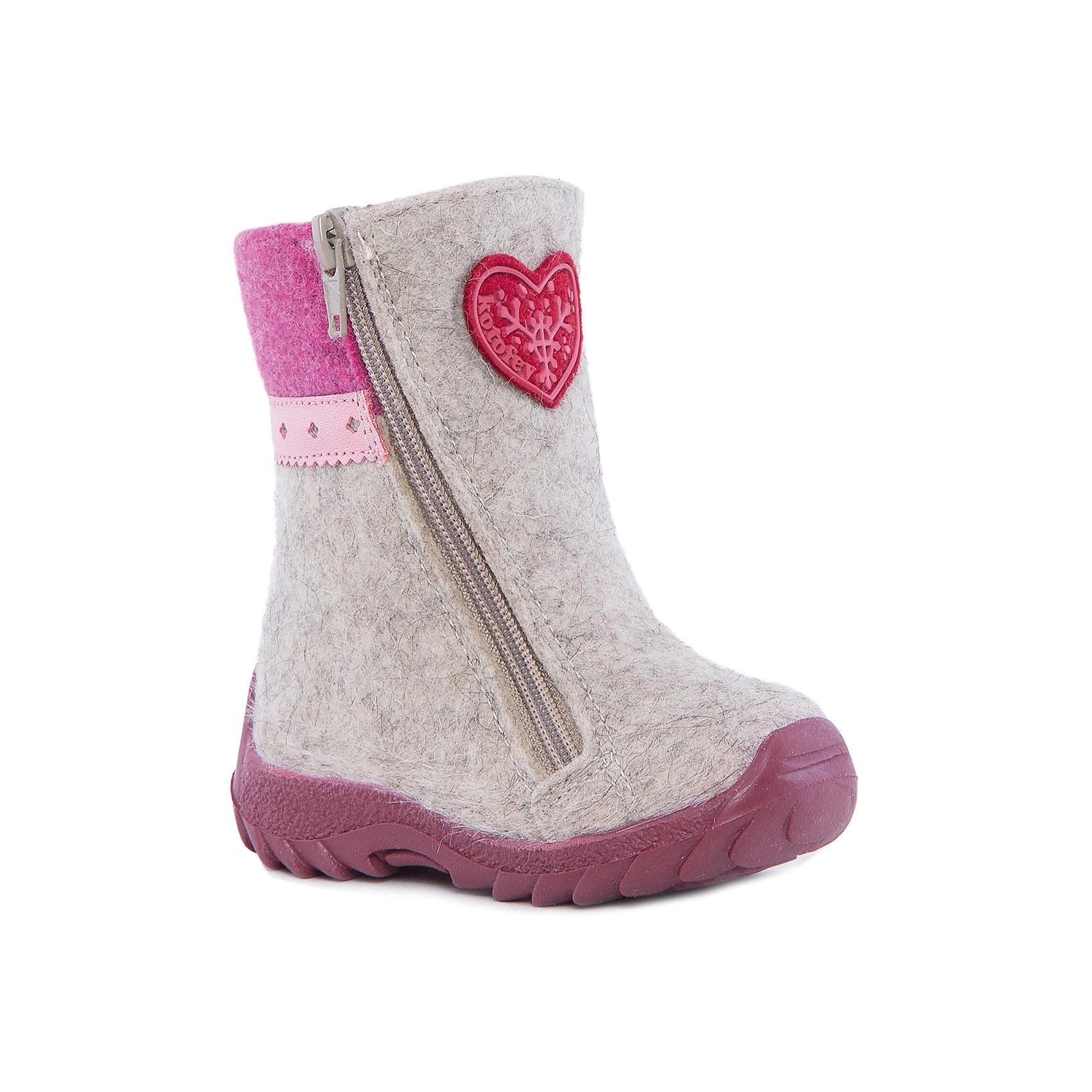 Валенки для девочки КотофейВаленки<br>Котофей – качественная и стильная детская обувь по доступным ценам. С каждым днем популярность магазина растет.  Войлочные сапожки – теплая и удобная детская обувь. Ботиночки изготовлены из натурального материала. Высокая подошва защитит от промокания. Необычный дизайн и материалы в традиционном стиле легли в основу создания модной моделей нового сезона. Молния установлена с двух сторон.<br><br>Дополнительная информация:<br><br>цвет: серо-розовый;<br>вид крепления: на клею;<br>застежка: пластиковая молния;<br>температурный режим: от -20 °С до +5° С.<br><br>Состав:<br>верх – войлок;<br>подклад – шерстяной мех;<br>материал подошвы – ТЭП.<br><br>Зимние ботиночки для девочек ясельного возраста из кожи от фирмы Котофей можно приобрести у нас в магазине.<br><br>Ширина мм: 257<br>Глубина мм: 180<br>Высота мм: 130<br>Вес г: 420<br>Цвет: розовый<br>Возраст от месяцев: 21<br>Возраст до месяцев: 24<br>Пол: Женский<br>Возраст: Детский<br>Размер: 24,22,23,21<br>SKU: 4982369