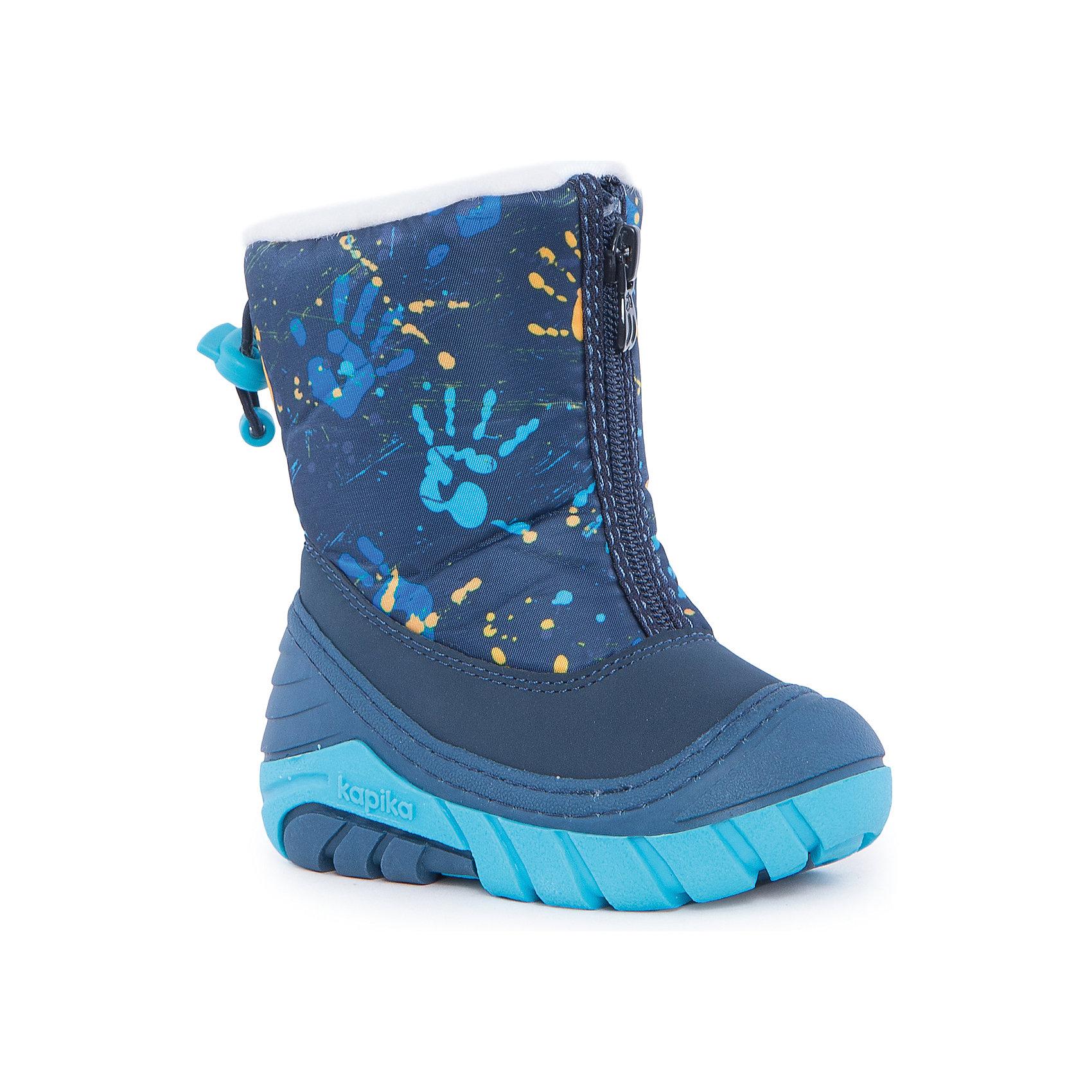 Сноубутсы для мальчика KapikaСноубутсы<br>Полусапоги для мальчика KAPIKA.<br><br>Температурный режим: до -20 градусов. Степень утепления – средняя. <br><br>* Температурный режим указан приблизительно — необходимо, прежде всего, ориентироваться на ощущения ребенка. <br><br>Сапоги-дутики защитят ноги малыша от снега и дождя. Благодаря теплому меху внутри их можно носить даже в очень холодную погоду. Подошва сделана с противоскользящим эффектом. Сапоги имеют форму цельного валенка, вклеенного в сапоги-галоши. Это дает дополнительную защиту от влаги и холода. Застегиваются на молнию спереди.<br><br>Дополнительная информация:<br><br>- материал верха: искусственная кожа, текстиль<br>- материал подкладки: 80% шерсть, 20% искусственный мех<br><br>Полусапоги для мальчика KAPIKA можно купить в нашем интернет магазине.<br><br>Ширина мм: 257<br>Глубина мм: 180<br>Высота мм: 130<br>Вес г: 420<br>Цвет: синий<br>Возраст от месяцев: 9<br>Возраст до месяцев: 12<br>Пол: Мужской<br>Возраст: Детский<br>Размер: 19,22,23,24,20,21<br>SKU: 4988198