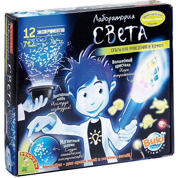 Французские опыты Лаборатория света (12 экспериментов)Химия и физика<br>Французские опыты Лаборатория света (12 экспериментов) торговой марки  Bondibon содержит 12 увлекательных экспериментов, которые помогут Вашему ребенку пролить свет на многие тайны. Как устроен свет, что такое тень, какие созвездия можно увидеть на ночном небе, почему светится фосфор и что значит электростатика. Самостоятельный поиск ответов на свои вопросы с научно-познавательной игрой от торговой маркой Bondibon из скучных заданий превращается в увлекательную игру. А радость от понимания ответа не сравниться ни с чем! В состав набора входят лампочка, картонный цилиндр, три цветные лампочки, блок питания, кристалл на подвеске, основа проектора, фосфорецирующие фигурки морских животных, фосфорецирующая фигурка человечка, пластмассовый стержень, две гайки, фосфорецирующий крючок, фосфорецирующая вешалка, прозрачный провод, две половинки пластмассового шарика, металлический мячик, фосфорецирующая жемчужина, подставка, красочная инструкция. С помощью набора Лаборатория света ребенок сможет проделать 12 опытов:<br><br>• танцующая жемчужина<br>• такой сложный белый цвет<br>• оптическое волокно<br>• звездное небо<br>• мерцающий шарик<br>• странные создания<br>• статическое электричество<br>• маятник<br>• опыт с вешалкой<br>• летающий предмет<br>• китайские тени<br>• волшебный кристалл<br><br>Дополнительная информация:<br><br>- возраст: от 7 лет<br>- пол: для мальчиков<br>- материал: пластик.<br>- страна обладатель бренда: Бельгия.<br><br>Французские опыты Лаборатория света (12 экспериментов) торговой марки  Bondibon можно купить в нашем интернет-магазине<br><br>Ширина мм: 27<br>Глубина мм: 6<br>Высота мм: 25<br>Вес г: 550<br>Возраст от месяцев: 84<br>Возраст до месяцев: 144<br>Пол: Унисекс<br>Возраст: Детский<br>SKU: 4993324