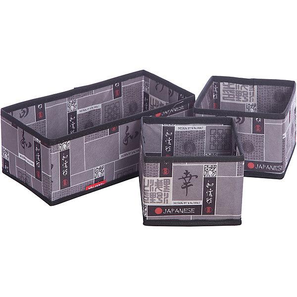 Набор органайзеров, 3 шт., без крышки, JAPANESE BLACK, ValiantОрганайзеры для одежды<br>Набор органайзеров, 3 шт., без крышки, JAPANESE BLACK, Valiant (Валиант) – это идеальное решение для хранения белья, мелких вещей и аксессуаров.<br>Набор органайзеров без крышки JAPANESE BLACK от Valiant (Валиант) специально разработан для хранения мелочей: белья, аксессуаров, ремней, галстуков. Органайзеры изготовлены из высококачественного нетканого материала, легко раскладываются и складываются. Набор органайзеров без крышки JAPANESE BLACK от Valiant (Валиант) гармонично смотрится в гардеробе. Лаконичный и сдержанный дизайн, напоминающий характер самурая, разработан специально для тех, кто предпочитает строгие линии и неяркие практичные цвета. В принте использованы японские иероглифы богатство, удача, благодеяние, гармония, мир и согласие.<br><br>Дополнительная информация:<br><br>- В наборе: 3 органайзера (1 коробочка – 28х14х11 см, 2 коробочки- 14х14х11 см)<br>- Материал: нетканый материал<br>- Цвет: серый, черный<br><br>Набор органайзеров, 3 шт., без крышки, JAPANESE BLACK, Valiant (Валиант) можно купить в нашем интернет-магазине.<br><br>Ширина мм: 140<br>Глубина мм: 30<br>Высота мм: 370<br>Вес г: 390<br>Возраст от месяцев: 36<br>Возраст до месяцев: 1080<br>Пол: Унисекс<br>Возраст: Детский<br>SKU: 4993440