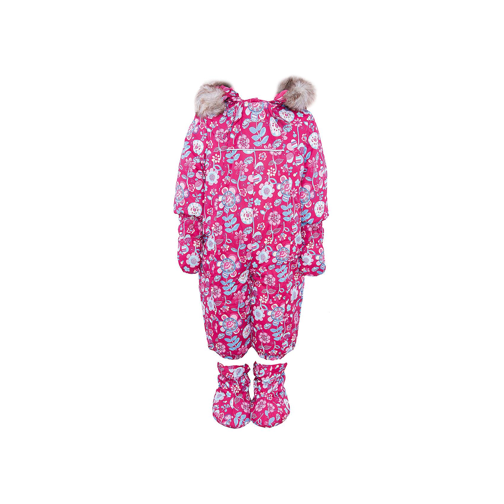 Комбинезон для девочки PremontВерхняя одежда<br>Комбинезон для девочки от известного бренда Premont .<br>В сезоне 2016-2017 цветочный принт продолжает оставаться на пике популярности среди мировых брендов. Дизайнеры Premont всегда следуют модным тенденциям и поэтому выпустили свой новый хит «Фестиваль цветов». Данный принт посвящен канадскому фестивалю цветов, который ежегодно проходит в Оттаве и радует сотни тысяч посетителей.<br>Состав:<br>Ткань верха: мембрана 5000мм/5000г/м2/24h, Taslan<br>Подклад: Velour (тело, капюшон, манжеты), Taffeta (рукава, брючины) <br>Утеплитель: Tech-polyfill (280г)<br><br>Ширина мм: 356<br>Глубина мм: 10<br>Высота мм: 245<br>Вес г: 519<br>Цвет: красный<br>Возраст от месяцев: 6<br>Возраст до месяцев: 9<br>Пол: Женский<br>Возраст: Детский<br>Размер: 74,92,68,80,86<br>SKU: 4996661