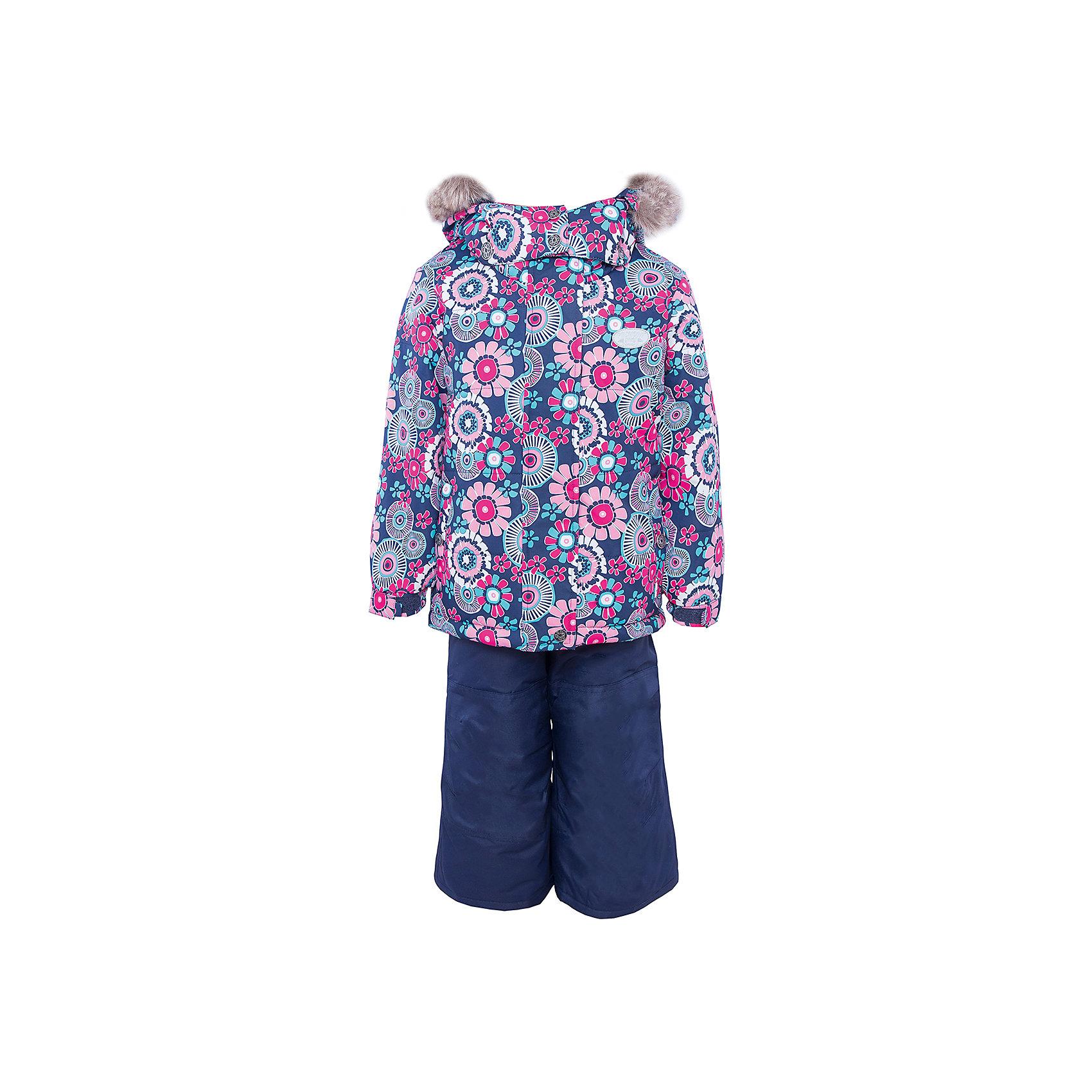 Комплект: куртка и брюки для девочки PremontКомплект: куртка и брюки для девочки от известного бренда Premont .<br>Принт «Виражи Wonderland» посвящен крупнейшему семейному парку развлечений Wonderland, который располагается в Дубае. Парк «Wonderland» - это настоящая страна чудес, где развлечения себе найдут дети любого возраста, от нуля и до бесконечности. С высоты птичьего полета множество ярких качелей, каруселей и аттракционов напоминают магические виражи.<br>Состав:<br>Ткань верха: мембрана 5000мм/5000г/м2/24h, Taslan<br>Подклад: Polarfleece (тело, капюшон, манжеты), TaTaffeta (брюки, рукава, снежная юбка) <br>Утеплитель: Tech-polyfill (куртка 280г, брюки 180г)<br><br>Ширина мм: 356<br>Глубина мм: 10<br>Высота мм: 245<br>Вес г: 519<br>Цвет: фиолетовый<br>Возраст от месяцев: 72<br>Возраст до месяцев: 84<br>Пол: Женский<br>Возраст: Детский<br>Размер: 120,128,116,110,104,100,98,92<br>SKU: 4996667