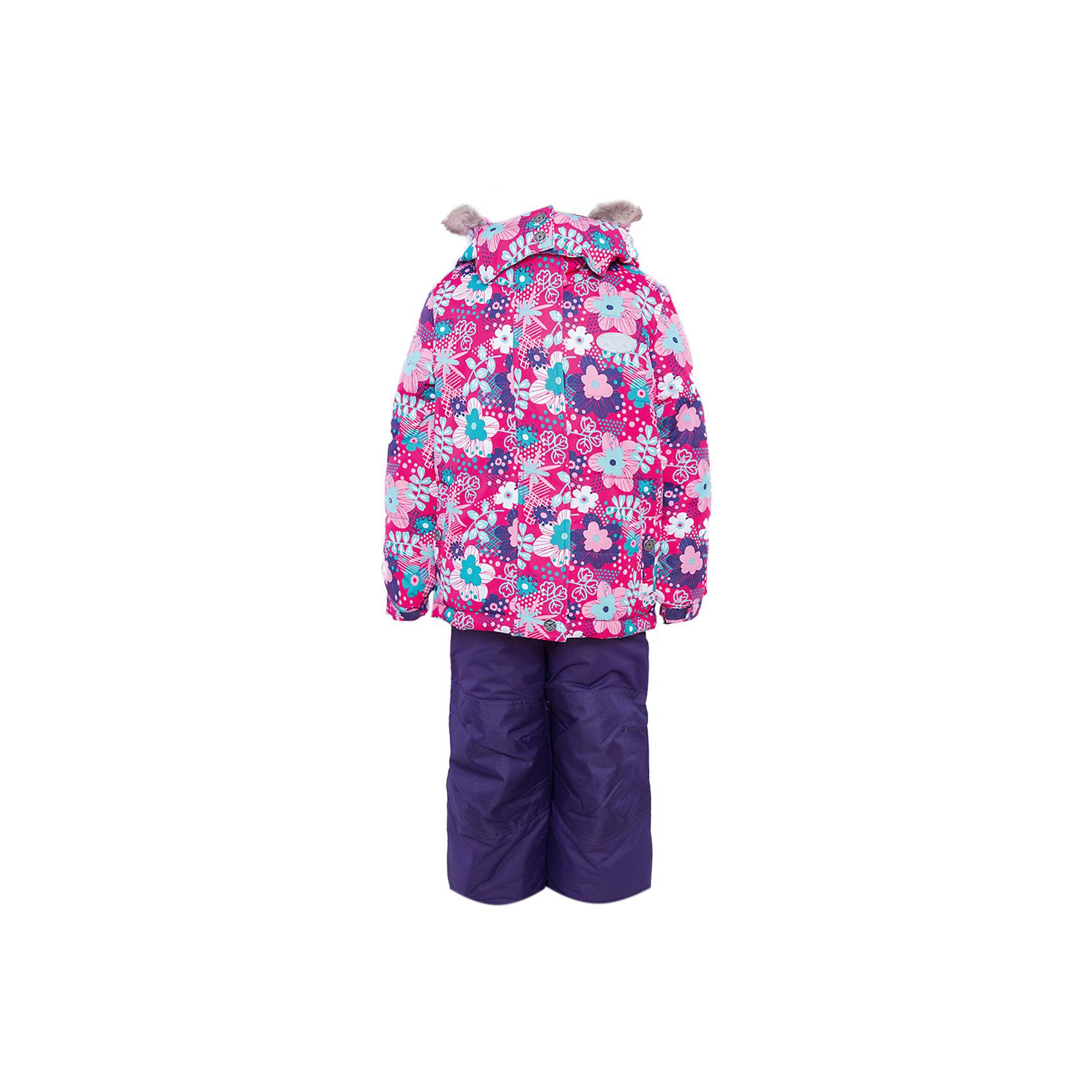Костюм для девочки PremontВерхняя одежда<br>Костюм для девочки от известного бренда Premont.<br>Монреаль – это сердце Канады, как считают сами канадцы. В нем собрано все в очень деликатном и изящном букете, любоваться которым можно не один день. Особое очарование Монреаль приобретает весной, когда город наполняется цветущими тюльпанами, сиренью и магнолиями, именно эти цветы графично изображены в принте «Цветущий Монреаль».<br>Состав:<br>Ткань верха: мембрана 5000мм/5000г/м2/24h, Taslan<br>Подклад: Polarfleece (тело, капюшон, манжеты), Taffeta (брюки, рукава, снежная юбка) Утеплитель: Tech-polyfill (куртка 280г, брюки 180г)<br><br>Ширина мм: 356<br>Глубина мм: 10<br>Высота мм: 245<br>Вес г: 519<br>Цвет: красный<br>Возраст от месяцев: 36<br>Возраст до месяцев: 36<br>Пол: Женский<br>Возраст: Детский<br>Размер: 100,92,128,122,120,116,110,104,98<br>SKU: 4996754