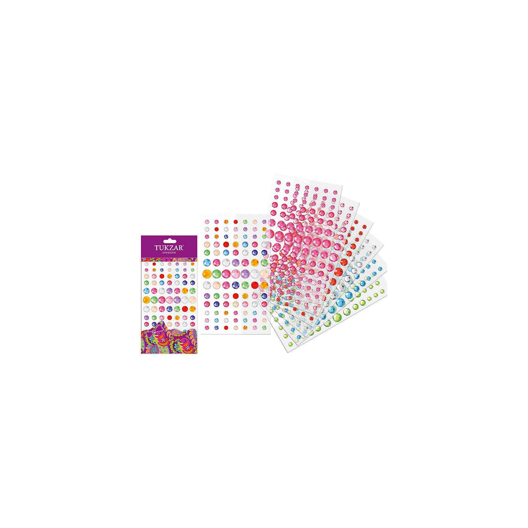 Акриловые круглые наклейки-стразы Бабочки (91 шт на листе)Творчество для малышей<br>Наклейки-стразы акриловые КРУГЛЫЕ, 10х24см., 91 шт от известного торгового бренда канцелярских товаров и товаров для творчества TUKZAR. Наклейки-стразы можно использовать для оформления и декорирования ручных поделок, оформления подарочной упаковки или в качестве стильного аксессуара для маскарадного костюма. Набор включает в себя различные по цвету и размеру стразы классической формы, что позволит создать авторские узоры на любой поверхности.<br><br>Дополнительная информация:<br><br>- Предназначение: для творческих занятий, оформительских работ и декорирования<br>- Материал: акрил<br>- Комплектация: круглые наклейки-стразы в ассортименте <br>- Размеры (Д*Ш): 10*24 см<br>- Упаковка: блистер<br><br>Подробнее:<br><br>• Для детей в возрасте: от 5 лет <br>• Страна производитель: Китай<br>• Торговый бренд: TUKZAR<br><br>Наклейки-стразы акриловые КРУГЛЫЕ, 10х24см., 91 шт можно купить в нашем интернет-магазине.<br><br>Ширина мм: 100<br>Глубина мм: 240<br>Высота мм: 10<br>Вес г: 50<br>Возраст от месяцев: 36<br>Возраст до месяцев: 144<br>Пол: Женский<br>Возраст: Детский<br>SKU: 5001400