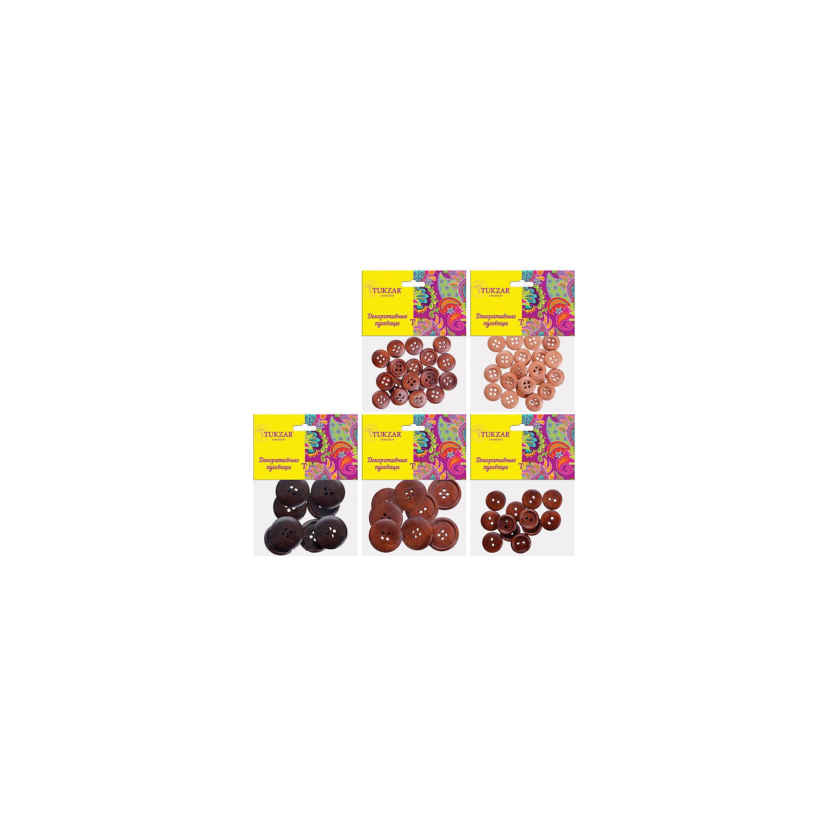 Деревянные элементы для декора Пуговицы, 5 дизайнов в ассортиментеПоследняя цена<br>Деревянные элементы для декора Пуговицы, 5 дизайнов в ассортименте от известного торгового бренда канцелярских товаров и товаров для творчества TUKZAR. Пуговицы можно использовать для оформления и декорирования ручных поделок, оформления подарочной упаковки или в качестве дополнительных элементов для создания авторских узоров и аксессуаров. Набор включает в себяпуговицы, выполненные из дерева, разнообразных размеров, форм и цветов. <br><br>Дополнительная информация:<br><br>- Предназначение: для творческих занятий, оформительских работ и декорирования<br>- Материал: дерево<br>- Комплектация: деревянные пуговины в 5-ти дизайнах<br>- Размер: 8*10 см<br>- Упаковка: полиэтилен<br><br>Подробнее:<br><br>• Для детей в возрасте: от 5 лет <br>• Страна производитель: Китай<br>• Торговый бренд: TUKZAR<br><br>Деревянные элементы для декора Пуговицы, 5 дизайнов в ассортименте можно купить в нашем интернет-магазине.<br><br>Ширина мм: 80<br>Глубина мм: 100<br>Высота мм: 10<br>Вес г: 50<br>Возраст от месяцев: 36<br>Возраст до месяцев: 192<br>Пол: Унисекс<br>Возраст: Детский<br>SKU: 5001416