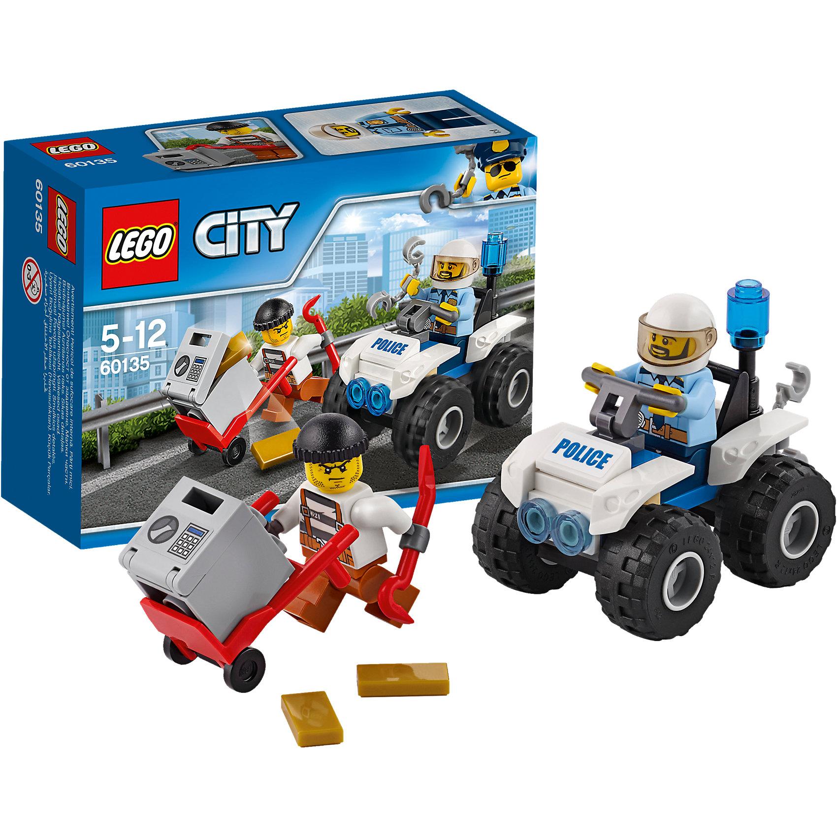 LEGO City 60135: Полицейский квадроциклПластмассовые конструкторы<br>LEGO City 60135: Полицейский квадроцикл<br><br>Характеристики:<br><br>- в набор входит: детали квадроцикла, 2 фигурки, аксессуары, инструкция<br>- состав: пластик<br>- количество деталей: 47<br>- размер коробки: 12 * 5 * 9 см.<br>- для детей в возрасте: от 5 до 12 лет<br>- Страна производитель: Дания/Китай/Чехия/<br><br>Легендарный конструктор LEGO (ЛЕГО) представляет серию «City» (Сити) в виде деталей жизни большого города, в котором есть абсолютно все. Серия делает игры еще более настоящими, благодаря отличным аксессуарам. Стражи закона Лего Сити всегда готовы прийти на помощь жителям города. В этот раз грабителю удалось скрыться вместе с сейфом. Он поместил его в тележку и покинул банк с двумя золотыми слитками, с помощью ломика вор готов вскрыть сейф. Но полицейский на квадроцикле полон решимости поймать вора. Включив синюю сигнальную лампу и не забыв наручники он направился в погоню. Квадроцикл имеет отличную проходимость, в том числе и по бездорожью в виде диванов или кресел. У квадроцикла имеется крючок для того, чтобы прицепить тележку с сейфом и доставить их в банк. Минифигурки отлично детализированы и качественно прорисованы. Шлем полицейского снимается, прозрачная защита отодвигается. Помоги полицейскому добиться справедливости. Моделируй разные истории и ситуации в Лего Сити!<br><br>Конструктор  LEGO City 60135: Полицейский квадроцикл можно купить в нашем интернет-магазине.<br><br>Ширина мм: 123<br>Глубина мм: 91<br>Высота мм: 48<br>Вес г: 77<br>Возраст от месяцев: 60<br>Возраст до месяцев: 144<br>Пол: Мужской<br>Возраст: Детский<br>SKU: 5002455