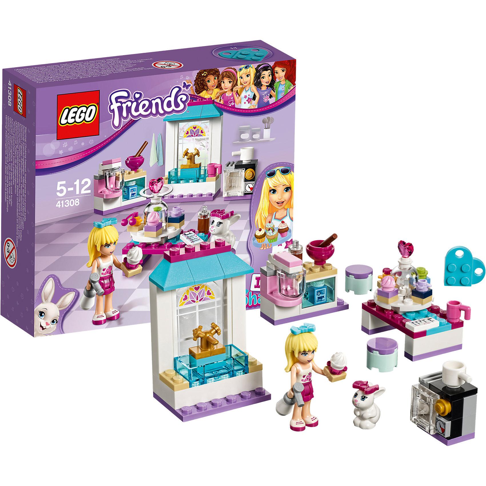 LEGO Friends 41308: Кондитерская СтефаниLEGO Friends 41308: Кондитерская Стефани<br><br>Характеристики:<br><br>- в набор входит: детали кухни, фигурка Стефани, кролик, аксессуары, красочная инструкция<br>- состав: пластик<br>- количество деталей: 94<br>- размер раковины: 7 * 3 * 4 см.<br>- размер стола с пирожными: 5 * 3 * 4 см.<br>- для детей в возрасте: от 5 до 12 лет<br>- Страна производитель: Дания/Китай/Чехия<br><br>Легендарный конструктор LEGO (ЛЕГО) представляет серию «Friends» (Друзья) в которую входят наборы конструкторов интересных не только в строительстве, но и в игре. <br><br>Серия разработана с учетом различных повседневных ситуаций и мест. Стефани просто обожает кулинарию и у нее отлично получается выпечка. Она открыла свою маленькую пекарню и наслаждается процессом изготовления вкусных пирожных. Красивая раковина позволяет ей держать посуду в чистоте, современный миксер отлично взбивает крем, а надежная открывающаяся духовка с плитой выпекает отличные пирожные. Баллончик с заварным кремом позволяет Стефани очень красиво украшать свою выпечку. Она выставляет ее на вращающемся стенде. Кролик Дейзи помогает хозяйке во всем. В наборе два стульчика, две чашки и деталь-рецепт. <br><br>Фигурка Стефани отлично проработана, ее рельефные волосы уложены в красивую прическу и она носит голубой бант. Ее наряд отлично подходит для хозяйки пекарни – белый топ и лиловая однотонная юбка. Фигурка может двигать головой, руками, торсом и принимать сидячее положение. Фигурка кролика надежно вставляется в детали лего, а благодаря специальному отверстию можно надевать и снимать бантик или другие аксессуары. В набор входит голубая деталь-кулончик серии LEGO «Friends». <br><br>Играя с конструктором ребенок развивает моторику рук, воображение и логическое мышление, научится собирать по инструкции и создавать свои модели. Придумывайте новые истории любимых героев с набором LEGO «Friends»!<br><br>Конструктор LEGO Friends 41308: Кондитерская Стефани можно купить в нашем интернет