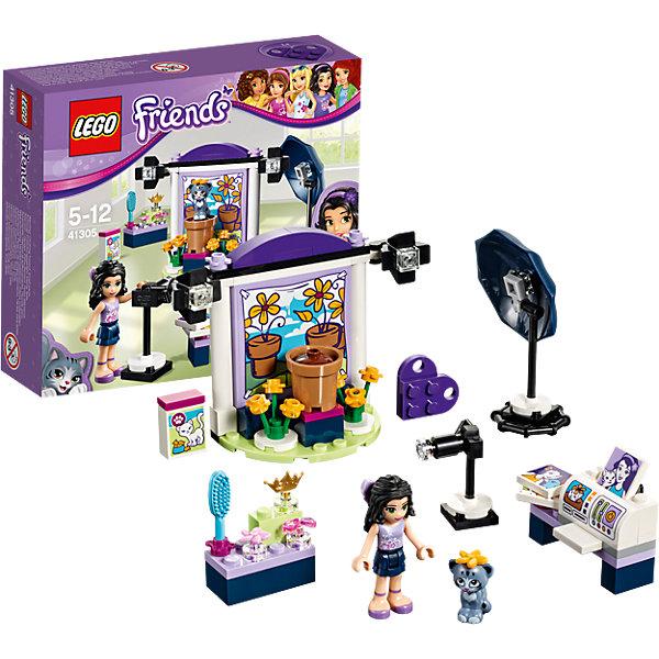 LEGO Friends 41305: Фотостудия ЭммыПластмассовые конструкторы<br>LEGO Friends 41305: Фотостудия Эммы<br><br>Характеристики:<br><br>- в набор входит: детали студии, котенок, фигурка Эммы, аксессуары, красочная инструкция<br>- состав: пластик<br>- количество деталей: 96<br>- размер стойки с декорациями: 9 * 4 * 7 см.<br>- размер стола: 4 * 1 * 3 см.<br>- для детей в возрасте: от 5 до 12 лет<br>- Страна производитель: Дания/Китай/Чехия<br><br>Легендарный конструктор LEGO (ЛЕГО) представляет серию «Friends» (Друзья) в которую входят наборы конструкторов интересных не только в строительстве, но и в игре. <br><br>Серия разработана с учетом различных повседневных ситуаций и мест. Эта прекрасная студия с необходимым оборудованием поможет Эмме сделать великолепные фото своего котенка. Сначала она подготавливает его за специальным столиком с щеткой и аксессуарами. Декорации сегодняшней съемки – сад. Сама фигурка Эммы отлично проработана, ее рельефные волосы уложены в аккуратную прическу, а наряд отлично подходит для фотосессии – блестящий топ и двух ярусная синяя юбочка. Фигурка может двигать головой, руками, торсом и принимать сидячее положение. Фигурка котенка надежно вставляется в детали лего, а благодаря специальному отверстию можно надевать и снимать бантики или цветочек. Квадратные детали «печатаются» на принтере и их можно вешать на стены как картины в других наборах ЛЕГО. <br><br>Играя с конструктором ребенок развивает моторику рук, воображение и логическое мышление, научится собирать по инструкции и создавать свои модели. Придумывайте новые истории любимых героев с набором LEGO «Friends»!<br><br>Конструктор LEGO Friends 41305: Фотостудия Эммы можно купить в нашем интернет-магазине.<br><br>Ширина мм: 160<br>Глубина мм: 139<br>Высота мм: 45<br>Вес г: 130<br>Возраст от месяцев: 60<br>Возраст до месяцев: 144<br>Пол: Женский<br>Возраст: Детский<br>SKU: 5002488