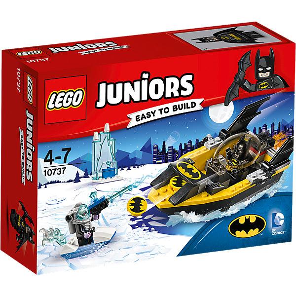 LEGO Juniors 10737: Бэтмен против Мистера ФризаПластмассовые конструкторы<br>LEGO Juniors 10737: Бэтмен против Мистера Фриза<br><br>Характеристики:<br><br>- в набор входит: детали Бэтлодки, ледяного катера, ледяной тюрьмы, 2 минифигурки, аксессуары, красочная инструкция<br>- минифигурки набора: Мистер Фриз, Бэтмен<br>- состав: пластик<br>- количество деталей: 63 <br>- размер упаковки: 19 * 6 * 14 см.<br>- размер Бэтлодки: 15 * 5 * 5 см.<br>- для детей в возрасте: от 4 до 7 лет<br>- Страна производитель: Дания/Китай/Чехия<br><br>Легендарный конструктор LEGO (ЛЕГО) представляет серию «Juniors» (Джуниорс) для новичков в строительстве из конструктора ЛЕГО. Набор «Бэтмен против Мистера Фриза» состоит из большой Бэтлодки с закрывающейся прозрачной кабиной и небольшого катера Мистера Фриза. Сам злодей похитил два ледяных камня для своего оружия и хранит один из них в своей ледяной тюрьме в морях города Готем Сити. Борец за справедливость Бэтмен на своей лодке мчится чтобы забрать украденное. Фигурка Бэтмена выполнена очень качественно, он представлен в своем классическом черном бэткостюме с маской и плащом. Из оружия Бэтмен взял свои два любимых бэтаранга. Мистер Фриз носит специальный костюм, позволяющий ему находиться под водой и вооружен ледяным бластером. Благодаря крупным деталям лодки легко строить, а наличие разных тематических аксессуаров позволит игре быть еще более реалистичной. Играя с конструктором ребенок развивает моторику рук, воображение и логическое мышление. Придумывайте новые игры с набором LEGO «Juniors»!<br><br>Конструктор LEGO Juniors 10737: Бэтмен против Мистера Фриза можно купить в нашем интернет-магазине.<br>Ширина мм: 194; Глубина мм: 139; Высота мм: 60; Вес г: 172; Возраст от месяцев: 48; Возраст до месяцев: 84; Пол: Мужской; Возраст: Детский; SKU: 5002509;