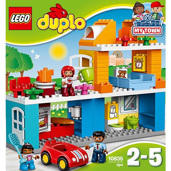 LEGO DUPLO 10835: Семейный домПластмассовые конструкторы<br>LEGO DUPLO 10835: Семейный дом<br><br>Характеристики:<br><br>- в набор входит: детали, 3 фигурки людей, машинка, аксессуары, инструкция<br>- состав: пластик<br>- количество деталей: 69<br>- для детей в возрасте: от 2 до 5 лет<br>- Страна производитель: Дания/Китай/Чехия/<br><br>Легендарный конструктор LEGO (ЛЕГО) представляет серию «DUPLO» (Д?пло) для самых маленьких. Крупные детали безопасны для малышей, а интересная тематика, возможность фантазировать, собирать из конструктора свои фигуры и играть в него приведут кроху в восторг! В этом шикарном наборе представлен настоящий трехэтажный дом и небольшая семья. В доме есть все необходимое включая кухню, спальню, туалет и даже комнатный цветок. Дверца в дом открывается, а также и дверца духового шкафа и полочки в ванной. Все стены также являются полочками для хранения аксессуаров, в комплект которых входит расческа, кухонная утварь (кастрюля, чайник, тарелка), хлеб. На блоках нарисованы игрушечный мишка, будильник, туалетная бумага. Три стульчика для всех членов семьи, а также две кровати предоставлены в наборе. Каждая фигурка отлично детализирована, в комплекте имеется фигурка мамы, папы и девочки. У этой семьи есть и машина – яркая, красная с крутящимися колесиками, но без заводного механизма. Набор предоставит все необходимое для игры, вам останется только придумать где будет какая комната и как зовут членов семьи. Играя с этим конструктором дети смогут моделировать ситуации, фантазировать, развивать моторику ручек и создавать новые фигуры. <br><br>Конструктор LEGO DUPLO 10835: Семейный дом можно купить в нашем интернет-магазине.<br><br>Ширина мм: 377<br>Глубина мм: 350<br>Высота мм: 121<br>Вес г: 1341<br>Возраст от месяцев: 24<br>Возраст до месяцев: 60<br>Пол: Унисекс<br>Возраст: Детский<br>SKU: 5002519