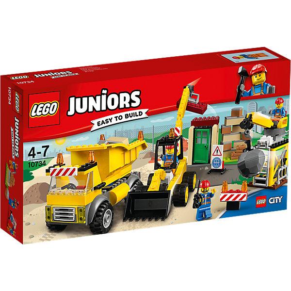 LEGO Juniors 10734: СтройплощадкаПластмассовые конструкторы<br>LEGO Juniors 10734: Стройплощадка<br><br>Характеристики:<br><br>- в набор входит: детали строительной техники и постройки, 3 минифигурки, аксессуары, красочная инструкция<br>- минифигурки набора: три рабочих<br>- состав: пластик<br>- количество деталей: 175 <br>- размер упаковки: 19 * 7 * 35 см.<br>- для детей в возрасте: от 4 до 7 лет<br>- Страна производитель: Дания/Китай/Чехия<br><br>Легендарный конструктор LEGO (ЛЕГО) представляет серию «Juniors» (Джуниорс) для новичков в строительстве из конструктора ЛЕГО. Набор «Стройплощадка» включает в себя три строительные машины: экскаватор (20 * 6 * 13 см.), самосвал (13 * 6 * 8 см.) и кран для сноса зданий (13 * 5 * 8 см.). В набор входят три минифигурки рабочих в красных касках и с инструментами. Один из них может работать на кране и разрушит старые здания, другой рабочий будет собирать блоки ковшом экскаватора, а третий будет отвозить на самосвале ненужные детали и привозить новые для постройки нового дома. В наборе имеются дорожные знаки для обеспечения безопасности работ. Небольшая постройка набора отлично разбирается и собирается и позволяет игре быть еще более реалистичной. Играя с конструктором ребенок развивает моторику рук, воображение и логическое мышление. Придумывайте новые игры с набором LEGO «Juniors»!<br><br>Конструктор LEGO Juniors 10734: Стройплощадка можно купить в нашем интернет-магазине.<br><br>Ширина мм: 356<br>Глубина мм: 190<br>Высота мм: 71<br>Вес г: 554<br>Возраст от месяцев: 48<br>Возраст до месяцев: 84<br>Пол: Мужской<br>Возраст: Детский<br>SKU: 5002523