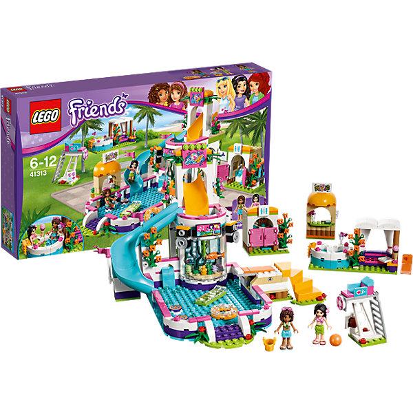 LEGO Friends 41313: Летний бассейнПластмассовые конструкторы<br>LEGO Friends 41313: Летний бассейн<br><br>Характеристики:<br><br>- в набор входит: детали бассейна, фигурки Андреа и Мартины, аксессуары, красочная инструкция<br>- состав: пластик<br>- количество деталей: 589<br>- размер бассейна с горкой: 24 * 18 * 23 см.<br>- размер джакузи и диванчика: 12 * 4 * 7 см.<br>- размер туалета: 9 * 4 * 6 см.<br>- размер спасательной станции: 7 * 3 * 3 см.<br>- для детей в возрасте: от 6 до 12 лет<br>- Страна производитель: Дания/Китай/Чехия<br><br>Легендарный конструктор LEGO (ЛЕГО) представляет серию «Friends» (Друзья) в которую входят наборы конструкторов интересных не только в строительстве, но и в игре. Серия разработана с учетом различных повседневных ситуаций и мест. <br><br>Этот большой набор с бассейном, аквариумом, горкой, спасательной станцией, джакузи, зоной отдыха, туалетом и баром соков просто наполнен разными аксессуарами. Две подружки, Андреа и Мартина просто счастливы отдыхать в таком летнем бассейне. Девочки взяли с собой мяч, чтобы играть в бассейне. Сам бассейн оснащен горкой для спуска, доской для прыжков в воду, надувными матрацем и кругом, стереоколонки играют веселую музыку, а на большом экране показывают русалку. Красивый коралловый аквариум приводит гостей бассейна в восторг. Для безопасности купающихся на территории установлена спасательная станция. Когда Андреа и Мартина устали плавать в бассейне они пошли в бар за молочными коктейлями и фруктами и сели отдохнуть в джакузи. Если гости устали от воды, то они могут сесть рядом на диванчик и общаться с друзьями в джакузи. Для реалистичности набор включает в себя и туалетную комнату с раковиной и туалетом. <br><br>Фигурки девочек выполнены очень качественно, они могут двигать головой, руками, торсом и принимать сидячее положение. Красивые рельефные волосы распущены, каждая из девочек использует свой аксессуар на волосах. Юбочки снабжены выступающими складками по краям ткани, что делает их почти настоя