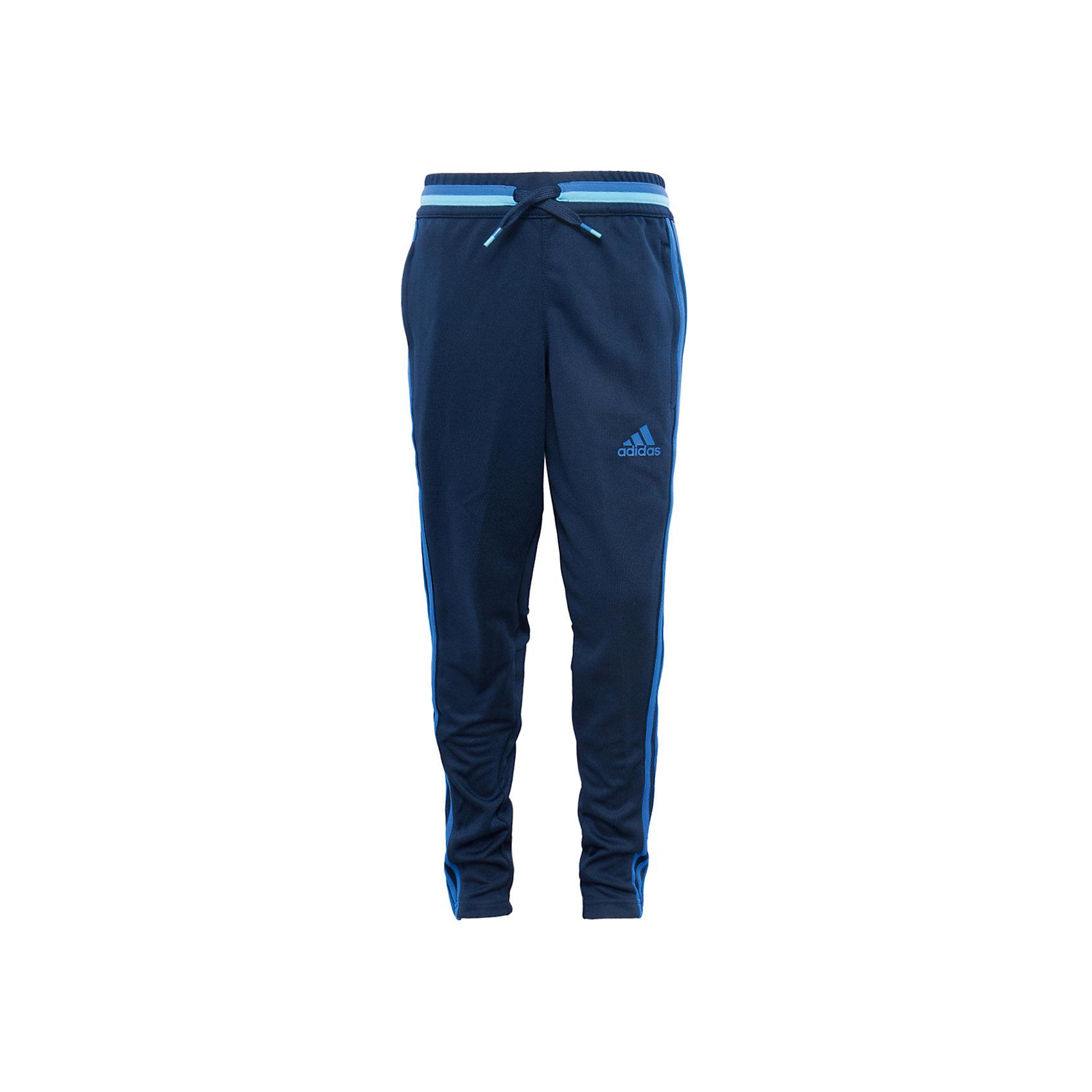Трикотажные брюки adidasСпортивная форма<br>Трикотажные брюки Аdidas (Адидас).<br><br>Характеристики:<br><br>• цвет: темно - синий;<br>• состав: 100% полиэстер;<br>• Технология climacool® сохраняет приятные ощущения прохлады и свежести благодаря специальным сетчатым вставкам<br>• Передние карманы на молнии<br>• Эластичный пояс на регулируемых завязках-шнурках; <br>• сетчатые вставки под коленями для вентиляции; <br>• рифленые вставки на голенях; <br>• молнии на щиколотках<br>• Зауженный к низу крой<br><br>Трикотажные брюки от известного бренда Аdidas (Адидас)-эти удобные спортивные брюки отлично впишутся в гардероб  вашего ребенка. Брюки темно-синего цвета, декорированы ярко – голубыми лампасами. Данная модель выполнена на широкой  резинке в поясе, дополнительно собирается на шнурке. На брюках 2 кармана, застегивающихся на молнии. В прохладную погоду или вечером, в этих брюках юный спортсмен сможет воспользоваться любой возможностью пойти на тренировку. Модель с освежающей технологией climacool® обеспечивает необходимую вентиляцию и поддерживает комфортную температуру тела. Функциональный зауженный к низу крой для удобства во время тренировки. Они хорошо сидят на ребенке, обеспечивают комфорт и отлично сочетаются с другой спортивной одеждой. <br><br>Трикотажные брюки Аdidas (Адидас), можно купить в нашем интернет-магазине.<br><br>Ширина мм: 215<br>Глубина мм: 88<br>Высота мм: 191<br>Вес г: 336<br>Цвет: голубой<br>Возраст от месяцев: 156<br>Возраст до месяцев: 168<br>Пол: Мужской<br>Возраст: Детский<br>Размер: 164,176,128,152<br>SKU: 5003549