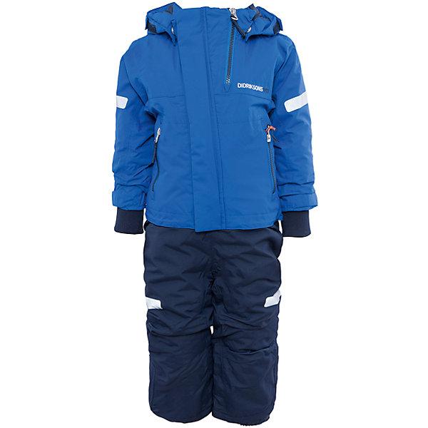 Комбинезон Rasne для мальчика DIDRIKSONS1913Верхняя одежда<br>Характеристики товара:<br><br>• цвет: синий<br>• материал: 100% полиамид, подкладка 100% полиэстер<br>• утеплитель: 140 г/м<br>• сезон: зима<br>• температурный режим от +5 до -20С<br>• непромокаемая и непродуваемая мембранная ткань<br>• резинки для ботинок<br>• дополнительная пропитка верха<br>• прокленные швы<br>• регулируемый съемный капюшон<br>• талия, манжеты и ширина брючины регулируется<br>• внутренние гетры<br>• внутренние трикотажные манжеты<br>• фронтальная молния под планкой<br>• светоотражающие детали<br>• можно увеличить длину рукавов и штанин на один размер <br>• страна бренда: Швеция<br>• страна производства: Китай<br><br>Такой комбинезон незаменим зимой! Это не только стильно, но еще и очень комфортно, а также тепло. Он обеспечит ребенку удобство при прогулках и активном отдыхе зимой. Комбинезон от шведского производителя легко трансформируется под рост ребенка и погодные условия.<br>Модель сшита из мембранной ткани, которая позволяет телу дышать, но при этом не промокает и не продувается. Очень стильная и удобная модель! Изделие качественно выполнено, сделано из безопасных для детей материалов. <br><br>Комбинезон для мальчика от бренда DIDRIKSONS можно купить в нашем интернет-магазине.<br>Ширина мм: 356; Глубина мм: 10; Высота мм: 245; Вес г: 519; Цвет: синий; Возраст от месяцев: 18; Возраст до месяцев: 24; Пол: Мужской; Возраст: Детский; Размер: 80,90,120,110,100; SKU: 5003956;