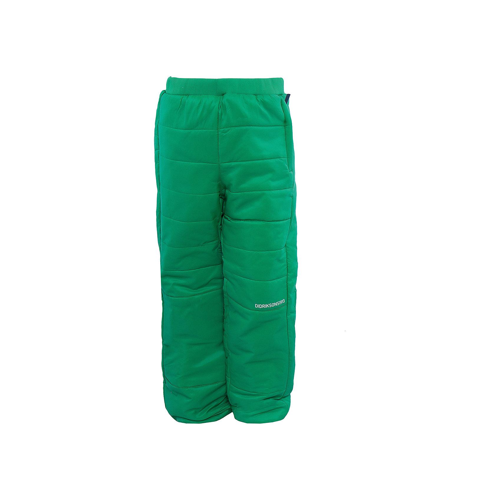 Брюки Kilpa DIDRIKSONSВерхняя одежда<br>Характеристики товара:<br><br>• цвет: зеленый<br>• материал: 100% полиэстер, подкладка 100% полиэстер<br>• стеганые<br>• температурный режим от +5 до +20, можно использовать в качестве поддёвы<br>• резинка на поясе<br>• можно надевать под одежду<br>• страна бренда: Швеция<br>• страна производства: Китай<br><br>Такие стеганые брюки сейчас очень популярны у детей! Это не только стильно, но еще и очень комфортно, а также тепло. Качественные брюки обеспечат ребенку удобство при прогулках и активном отдыхе в прохладные дне, в межсезонье или зимой. Такая модель от шведского производителя легко стирается, подходит под разные погодные условия.<br>Модель сшита из качественной ткани, дополнена мягкой широкой резинкой на поясе. Очень стильная и удобная модель! Изделие качественно выполнено, сделано из безопасных для детей материалов. <br><br>Брюки от бренда DIDRIKSONS можно купить в нашем интернет-магазине.<br><br>Ширина мм: 215<br>Глубина мм: 88<br>Высота мм: 191<br>Вес г: 336<br>Цвет: зеленый<br>Возраст от месяцев: 12<br>Возраст до месяцев: 15<br>Пол: Унисекс<br>Возраст: Детский<br>Размер: 80,140,130,120,110,100,90<br>SKU: 5003987