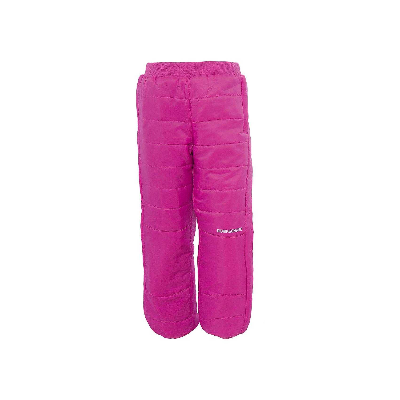 Брюки Kilpa для девочки DIDRIKSONSВерхняя одежда<br>Характеристики товара:<br><br>• цвет: розовый<br>• материал: 100% полиэстер, подкладка 100% полиэстер<br>• стеганые<br>• температурный режим от +5 до +20, можно использовать в качестве поддёвы<br>• резинка на поясе<br>• страна бренда: Швеция<br>• страна производства: Китай<br><br>Такие стеганые брюки сейчас очень популярны у детей! Это не только стильно, но еще и очень комфортно, а также тепло. Качественные флисовые брюки обеспечат ребенку удобство при прогулках и активном отдыхе в прохладные дне, в межсезонье или зимой. Такая модель от шведского производителя легко стирается, подходит под разные погодные условия.<br>Модель сшита из качественной ткани, дополнена мягкой широкой резинкой на поясе. Очень стильная и удобная модель! Изделие качественно выполнено, сделано из безопасных для детей материалов. <br><br>Брюки для девочки от бренда DIDRIKSONS можно купить в нашем интернет-магазине.<br><br>Ширина мм: 215<br>Глубина мм: 88<br>Высота мм: 191<br>Вес г: 336<br>Цвет: фиолетовый<br>Возраст от месяцев: 12<br>Возраст до месяцев: 15<br>Пол: Женский<br>Возраст: Детский<br>Размер: 80,120,130,140,110,100,90<br>SKU: 5003995
