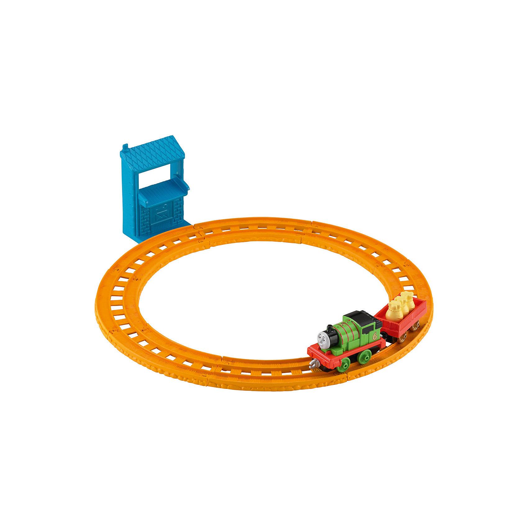 Базовый игровой набор, Томас и его друзьяТомас и его друзья<br>Базовый игровой набор - классический вариант железной дороги для Томаса и его друзей. В магазине представлено 3 варианта комплектации игрушки. Выберете свою! Каждый набор включает в себя коллекционный игрушечный паровозик и свою собственную станцию. В любой комплектации есть базовый вариант железной дороги. Для ее расширения стоит посмотреть дополнения к железной дороге. С новыми игрушками малыша будет очень сложно оторвать от столь увлекательного занятия! Материалы, использованные при изготовлении игрушек, сертифицированы, полностью безопасны для детей и отвечают всем требованиям по качеству.<br><br>Дополнительная информация:<br><br>цвет: разноцветный;<br>размер упаковки: 250 х 160 х 50 мм;<br>комлектация: детали для сборки железной дороги, паровозик, вагончик, почтовый пункт;<br>материал: высококачественный пластик.<br><br>Базовый игровой набор «Томас и его друзья» от компании Mattel можно приобрести в нашем магазине<br><br>Ширина мм: 55<br>Глубина мм: 260<br>Высота мм: 160<br>Вес г: 256<br>Возраст от месяцев: 36<br>Возраст до месяцев: 120<br>Пол: Мужской<br>Возраст: Детский<br>SKU: 5004524
