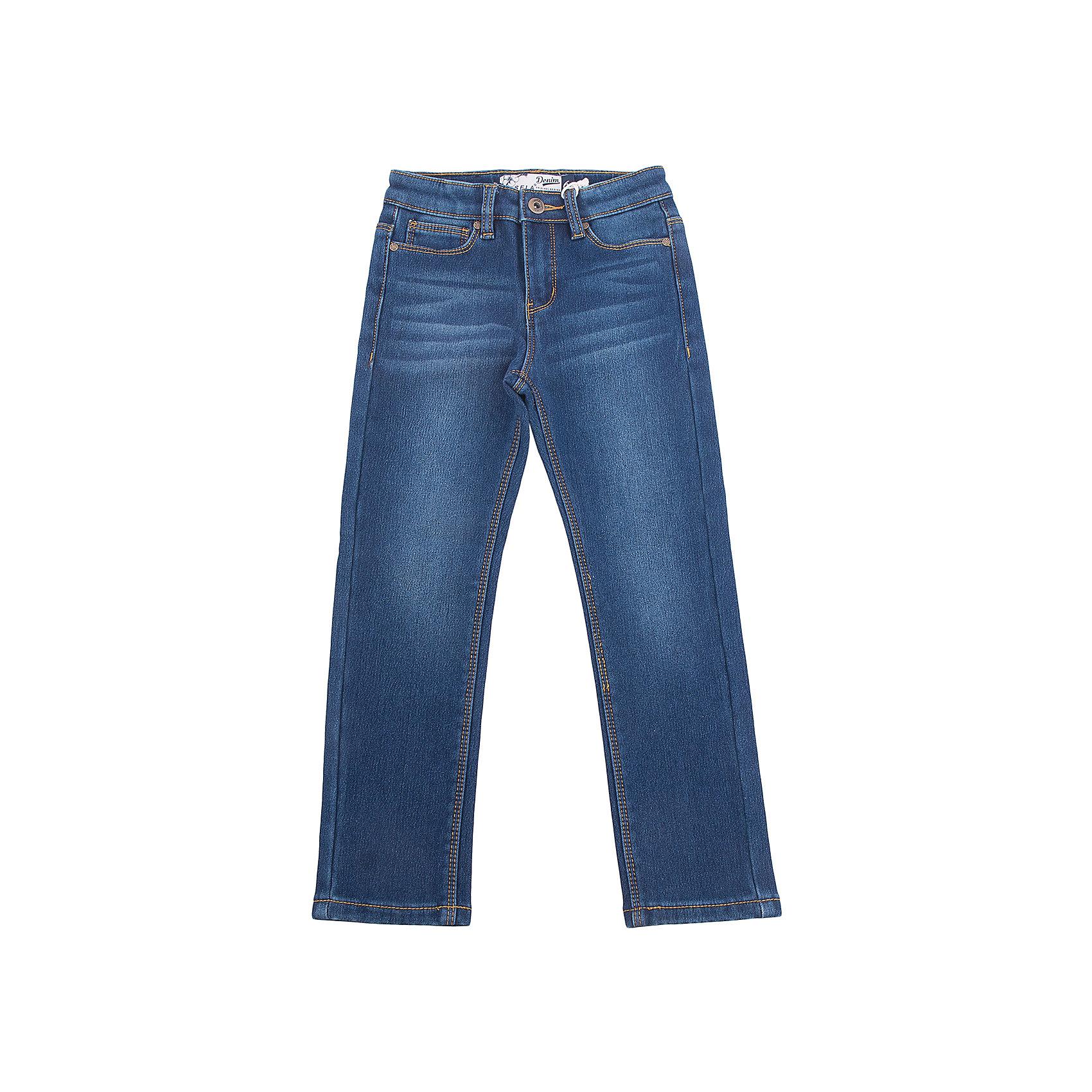 Джинсы для девочки SELAДжинсы<br>Классические джинсы - незаменимая вещь в детском гардеробе. Эта модель отлично сидит на ребенке, она сшита из плотного материала, натуральный хлопок не вызывает аллергии и обеспечивает ребенку комфорт. Модель станет отличной базовой вещью, которая будет уместна в различных сочетаниях.<br>Одежда от бренда Sela (Села) - это качество по приемлемым ценам. Многие российские родители уже оценили преимущества продукции этой компании и всё чаще приобретают одежду и аксессуары Sela.<br><br>Дополнительная информация:<br><br>цвет: синий;<br>материал: 65% хлопок, 33% ПЭ, 2% эластан; подкладка:100% ПЭ;<br>плотный материал;<br>классический силуэт.<br><br>Джинсы для девочки от бренда Sela можно купить в нашем интернет-магазине.<br><br>Ширина мм: 215<br>Глубина мм: 88<br>Высота мм: 191<br>Вес г: 336<br>Цвет: синий<br>Возраст от месяцев: 132<br>Возраст до месяцев: 144<br>Пол: Женский<br>Возраст: Детский<br>Размер: 152,116,122,128,134,140,146<br>SKU: 5008057