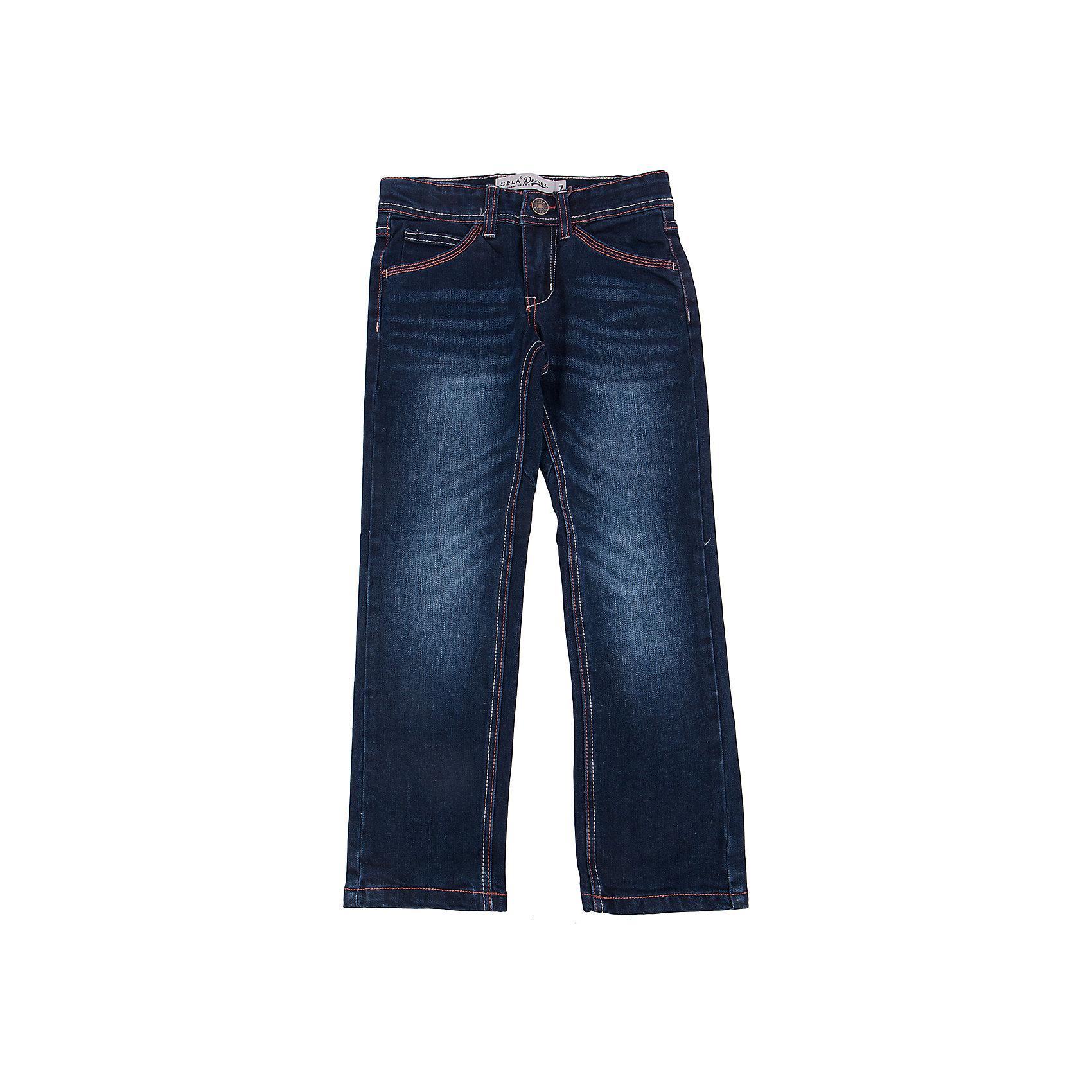 Джинсы для мальчика SELAДжинсы - незаменимая вещь в детском гардеробе. Эта модель отлично сидит на ребенке, она сшита из плотного материала, натуральный хлопок не вызывает аллергии и обеспечивает ребенку комфорт. Модель станет отличной базовой вещью, которая будет уместна в различных сочетаниях.<br>Одежда от бренда Sela (Села) - это качество по приемлемым ценам. Многие российские родители уже оценили преимущества продукции этой компании и всё чаще приобретают одежду и аксессуары Sela.<br><br>Дополнительная информация:<br><br>прямой силуэт;<br>материал: 76% хлопок, 16% ПЭ, 6% вискоза, 2% эластан; подкладка: 60% хлопок, 40% ПЭ;<br>плотный материал.<br><br>Джинсы для мальчика от бренда Sela можно купить в нашем интернет-магазине.<br><br>Ширина мм: 215<br>Глубина мм: 88<br>Высота мм: 191<br>Вес г: 336<br>Цвет: синий<br>Возраст от месяцев: 132<br>Возраст до месяцев: 144<br>Пол: Мужской<br>Возраст: Детский<br>Размер: 152,146,140,134,128,122<br>SKU: 5008085