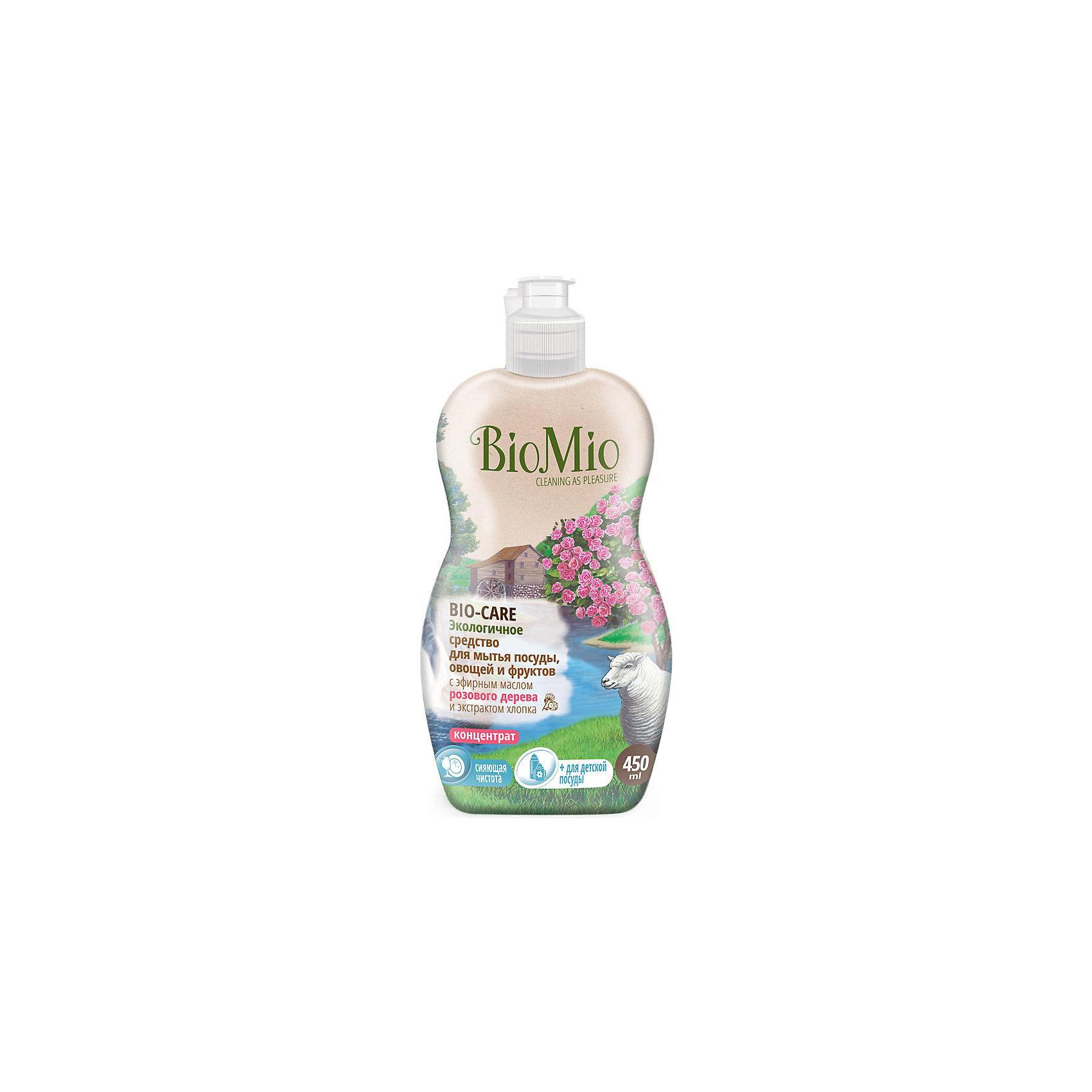 Экологичное средство для мытья посуды, овощей и фруктов с маслом вербены, BIO MIOЭкологичное средство для мытья посуды, овощей и фруктов с маслом вербены, от известного бренда из Дании BIO MIO (Био Мио). Впустите атмосферу безопасной чистоты в ваш дом! Это средство имеет в составе эфирное масло вербены и хорошо справляется с остатками пищи и загрязнениями, не оставляя разводов и уничтожая микробы, благодаря антибактериальной формуле. Концентрированная формула позволит использовать стандартную бутылочку объема 450 мл. дольше обычного. Гиппоалергенный, РH нейтральный, не имеет в составе небезопасных веществ и искусственных добавок. Экстракт хлопка оказывает благотворное воздействие и оберегает руки, сохраняя их нежность. Этим средством рекомендовано пользоваться с первых дней малыша. Датское качество отвечает европейским стандартам и осуществляет безопасную заботу о детях и планете.<br>Дополнительная информация:<br><br>- Объем: 450 мл. <br>- Не содержит искусственные ароматизаторы и красители, агрессивные ПАВ, нефтепродукты, PEG, фосфаты, хлор, SLS/SLES.<br><br>Экологичное средство для мытья посуды, овощей и фруктов с маслом вербены, BIO MIO (Био Мио) можно купить в нашем интернет-магазине.<br>Подробнее:<br>• Для детей в возрасте: от 0 лет<br>• Номер товара: 5008293 <br>Страна производитель: Дания<br><br>Ширина мм: 300<br>Глубина мм: 100<br>Высота мм: 50<br>Вес г: 500<br>Возраст от месяцев: 0<br>Возраст до месяцев: 36<br>Пол: Унисекс<br>Возраст: Детский<br>SKU: 5008293