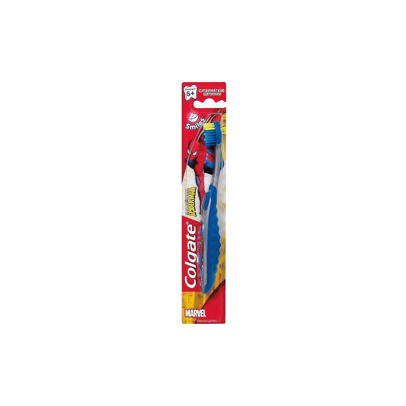 Зубная щётка Смайлс SpiderMan супермягкая для детей старше 5 лет, Colgate, синий/серыйДетская зубная щетка Colgate Smiles бережно ухаживает за полостью рта ребенка, мягкая щетина помогает убрать остатки пищи и налет на зубках. Щетинки расположены на разном уровне, удлиненные щетинки предназначены для очищения межзубных промежутков. Имеется очиститель языка. Наличие цветных щетинок позволяет малышу определить количество зубной пасты для однократной очистки зубов. <br><br>Дополнительная информация:<br><br>• разноуровневые щетинки;<br>• очиститель языка;<br>• нескользящая ручка.<br><br>ВНИМАНИЕ! Данный артикул имеется в наличии в разных вариантах исполнения (Spiderman, Barbie). Заранее выбрать определенный вариант нельзя. При заказе нескольких зубных щеток возможно получение одинаковых.<br><br>Зубную щётку Смайлс  супермягкая для детей старше 5 лет, Colgate можно купить в нашем интернет-магазине.<br><br>Ширина мм: 300<br>Глубина мм: 100<br>Высота мм: 50<br>Вес г: 100<br>Возраст от месяцев: 60<br>Возраст до месяцев: 2147483647<br>Пол: Унисекс<br>Возраст: Детский<br>SKU: 5008305